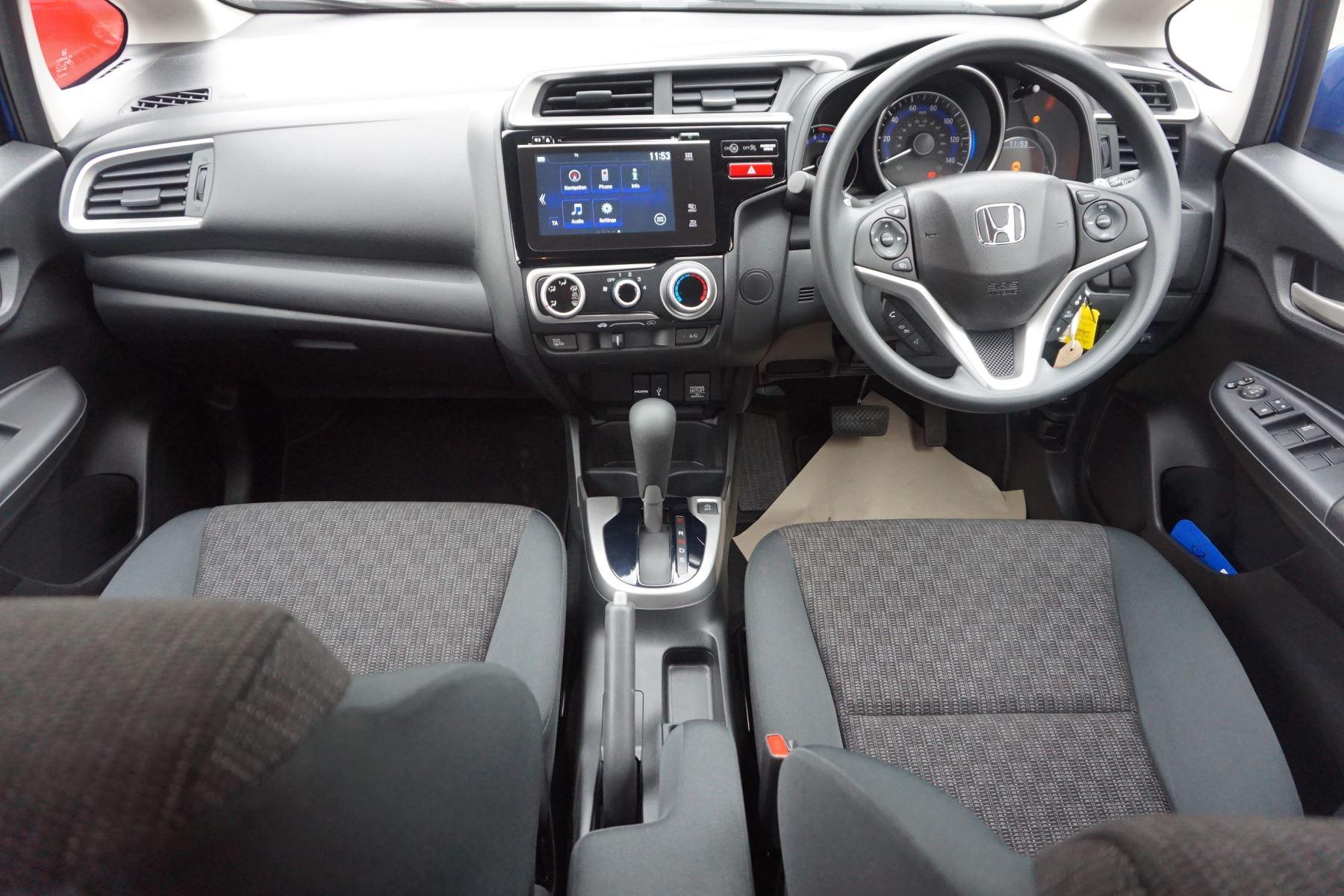 Honda Jazz 1.3 SE Navi CVT image 12