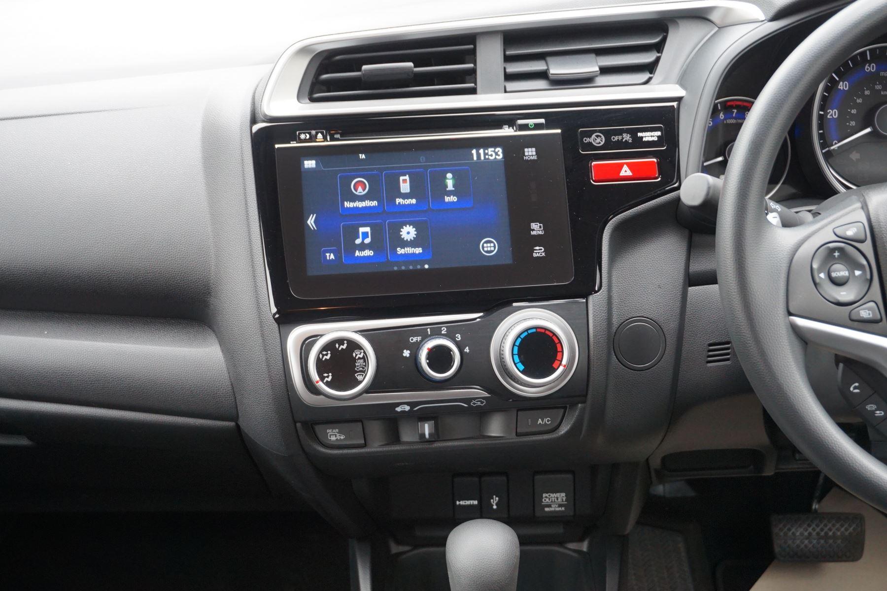 Honda Jazz 1.3 SE Navi CVT image 13