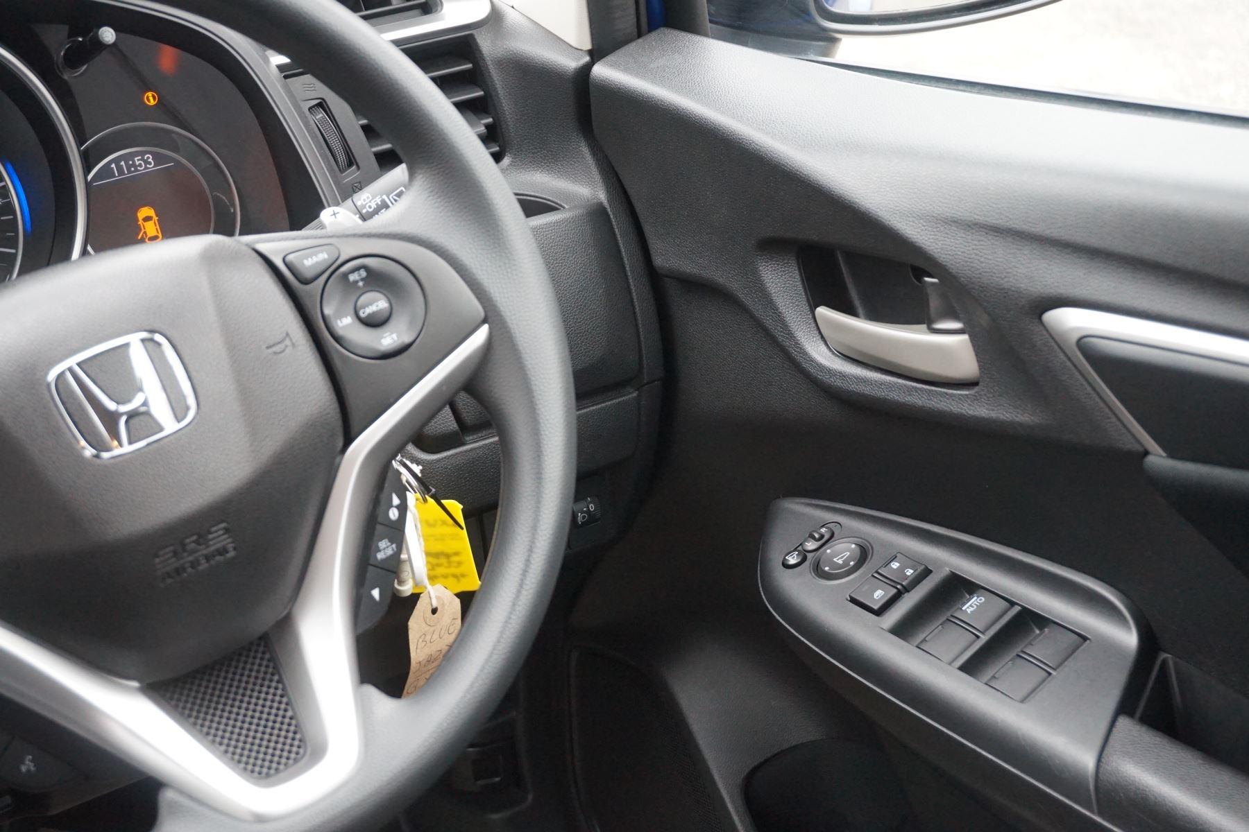 Honda Jazz 1.3 SE Navi CVT image 16