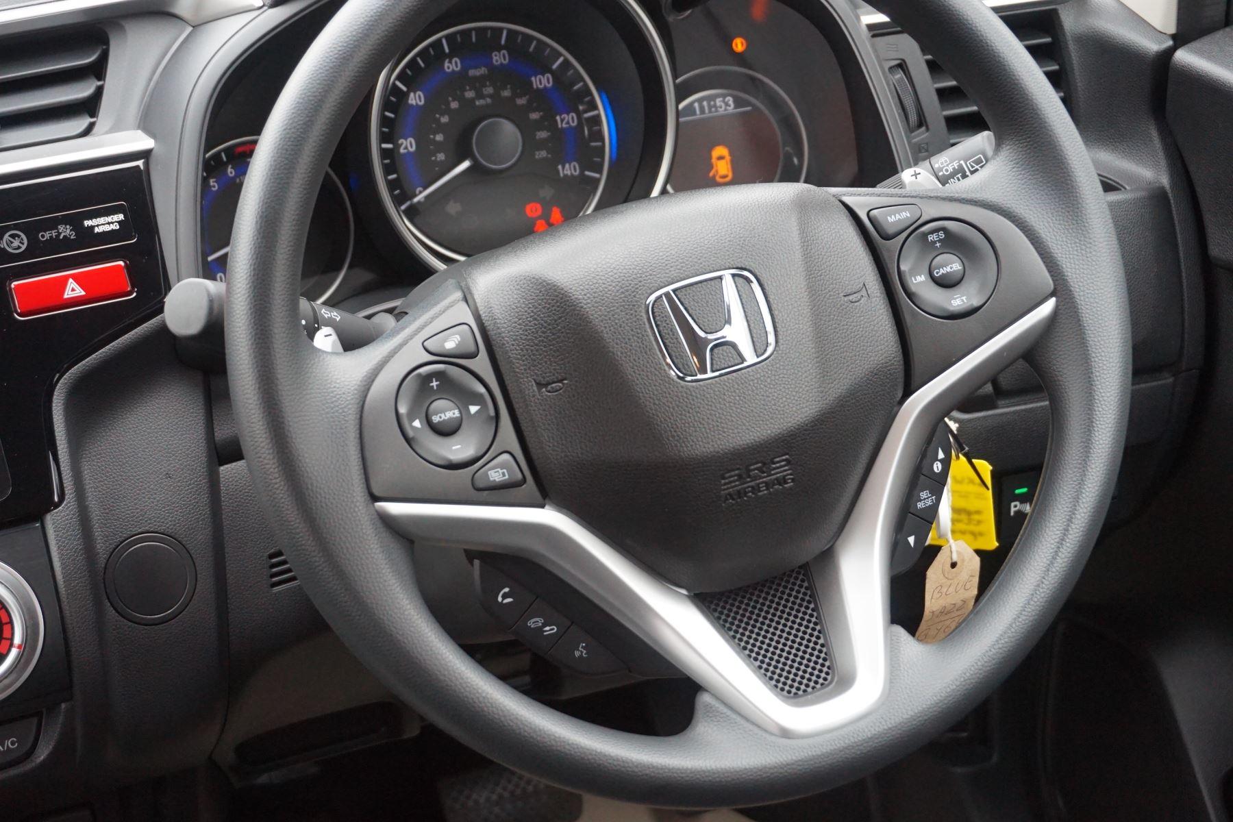 Honda Jazz 1.3 SE Navi CVT image 17
