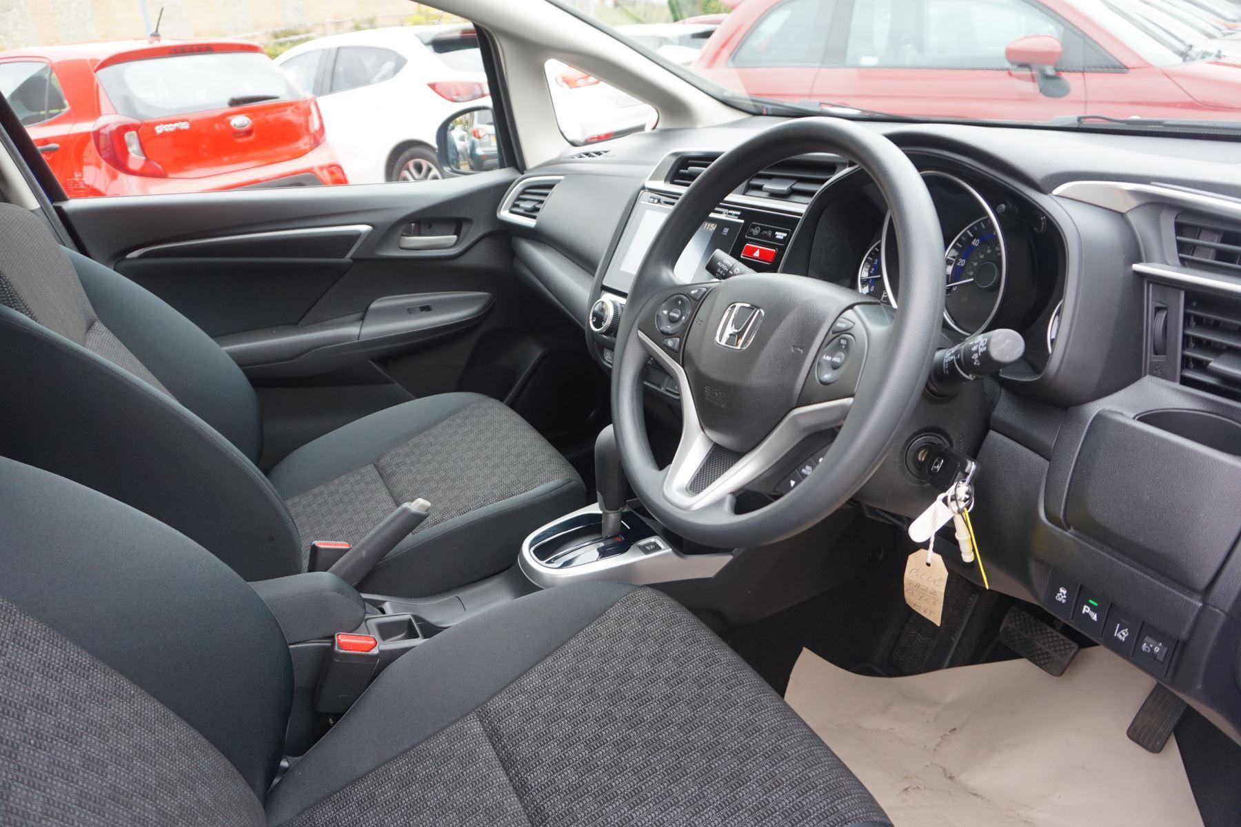 Honda Jazz 1.3 SE Navi CVT image 19