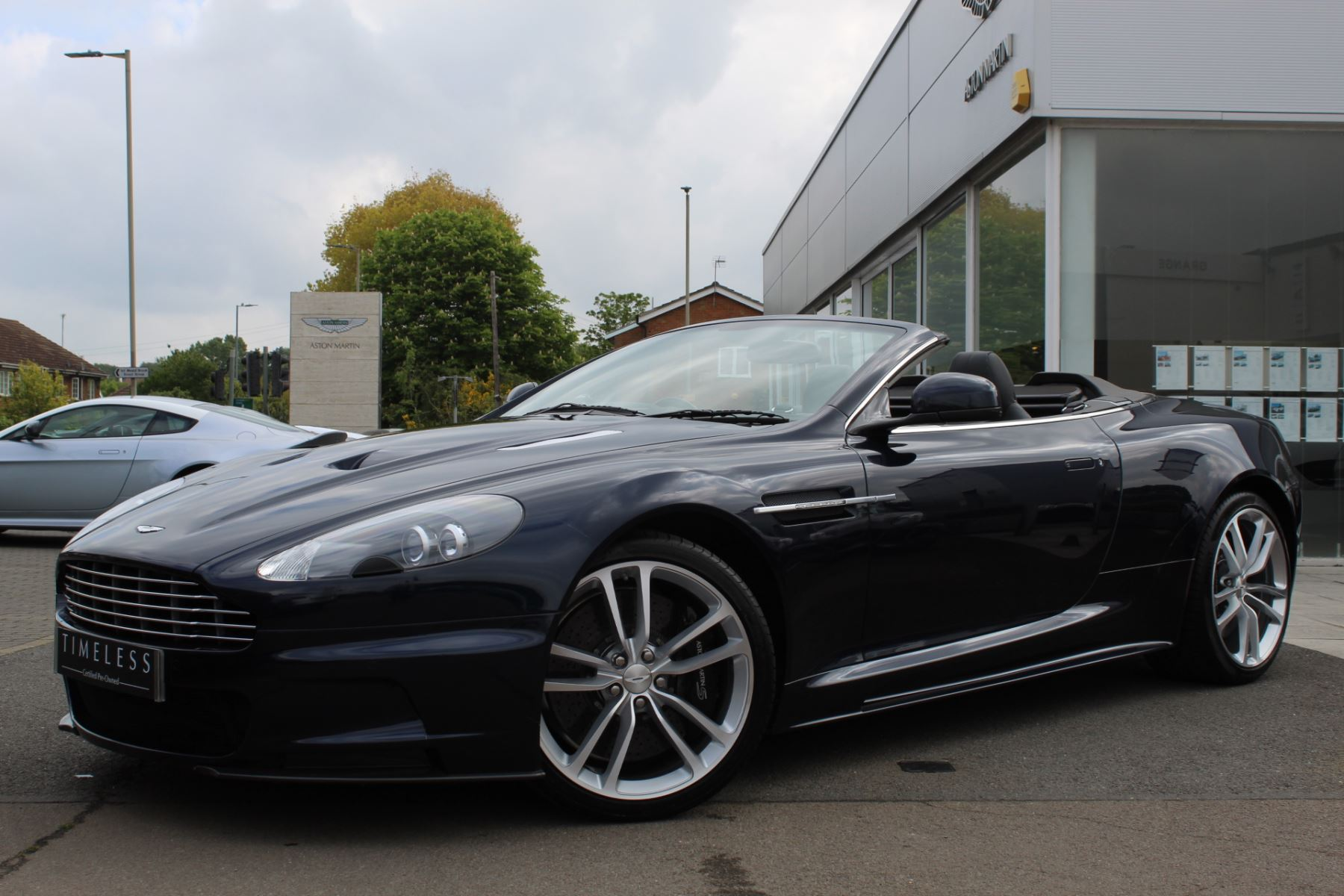 Aston Martin DBS V12 2dr Volante Touchtronic 5.9 Automatic Convertible (2010.75) image