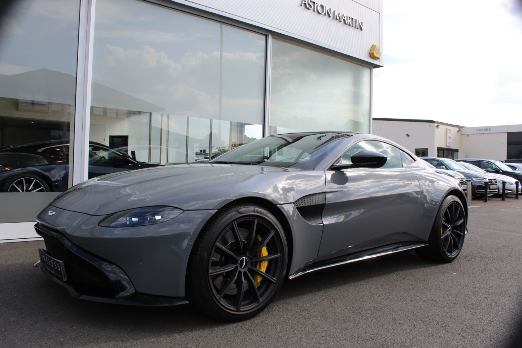 Aston Martin V8 Vantage Coupe 2dr ZF 8 Speed image 7