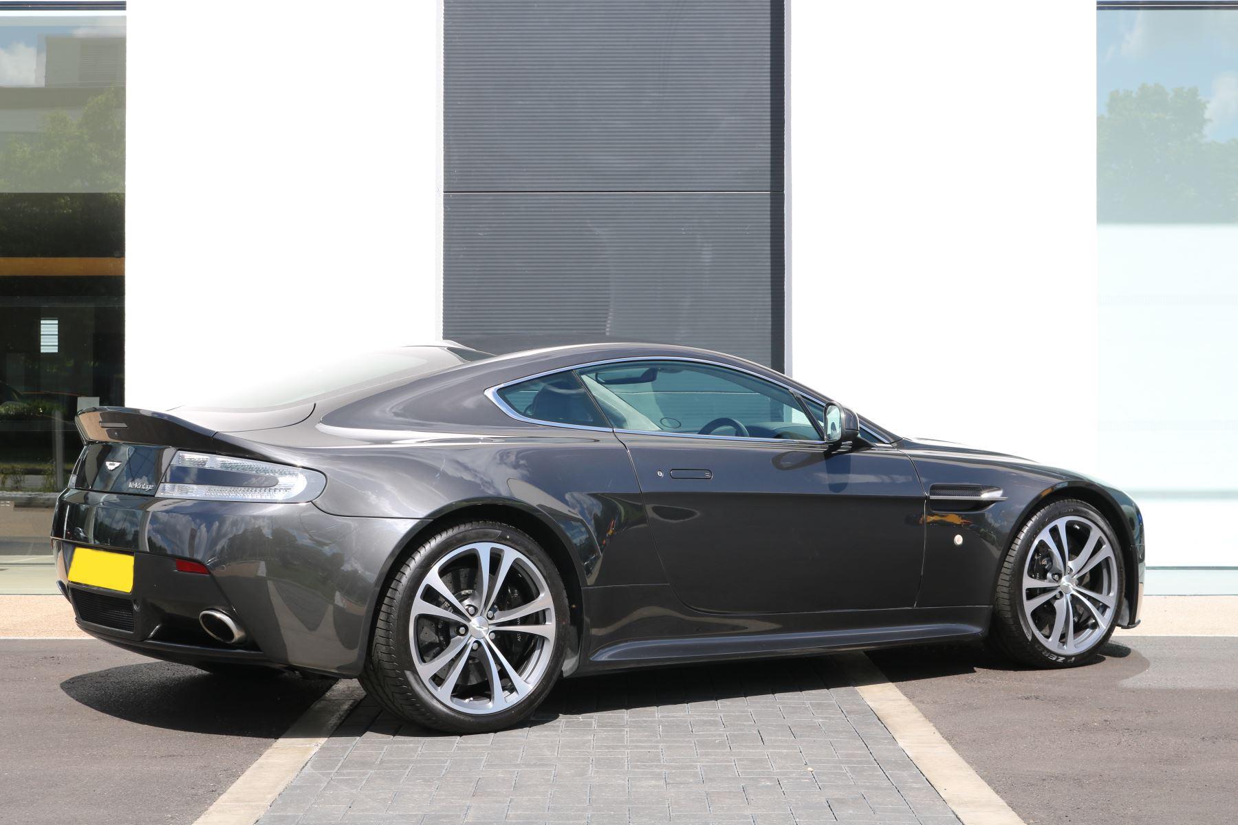 Aston Martin V12 Vantage 2dr image 6