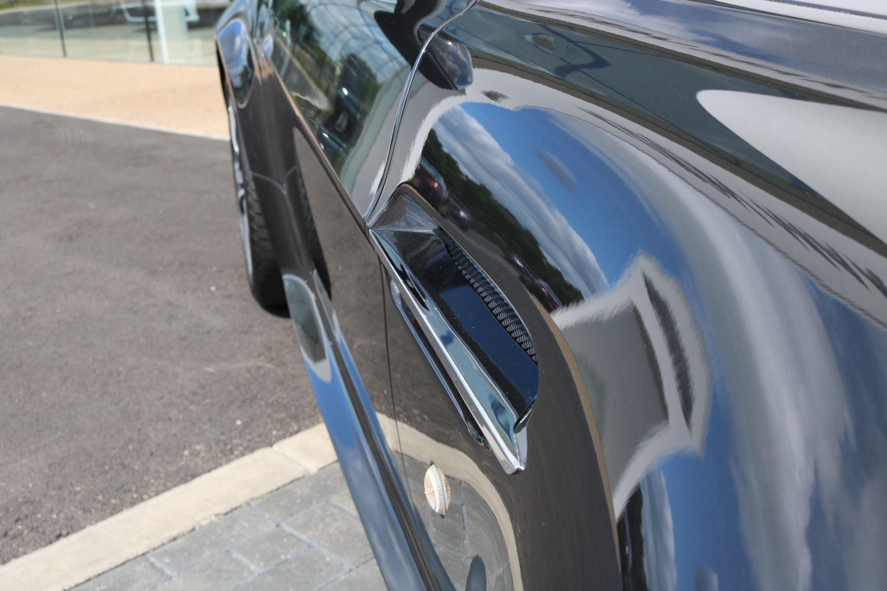 Aston Martin V12 Vantage 2dr image 10