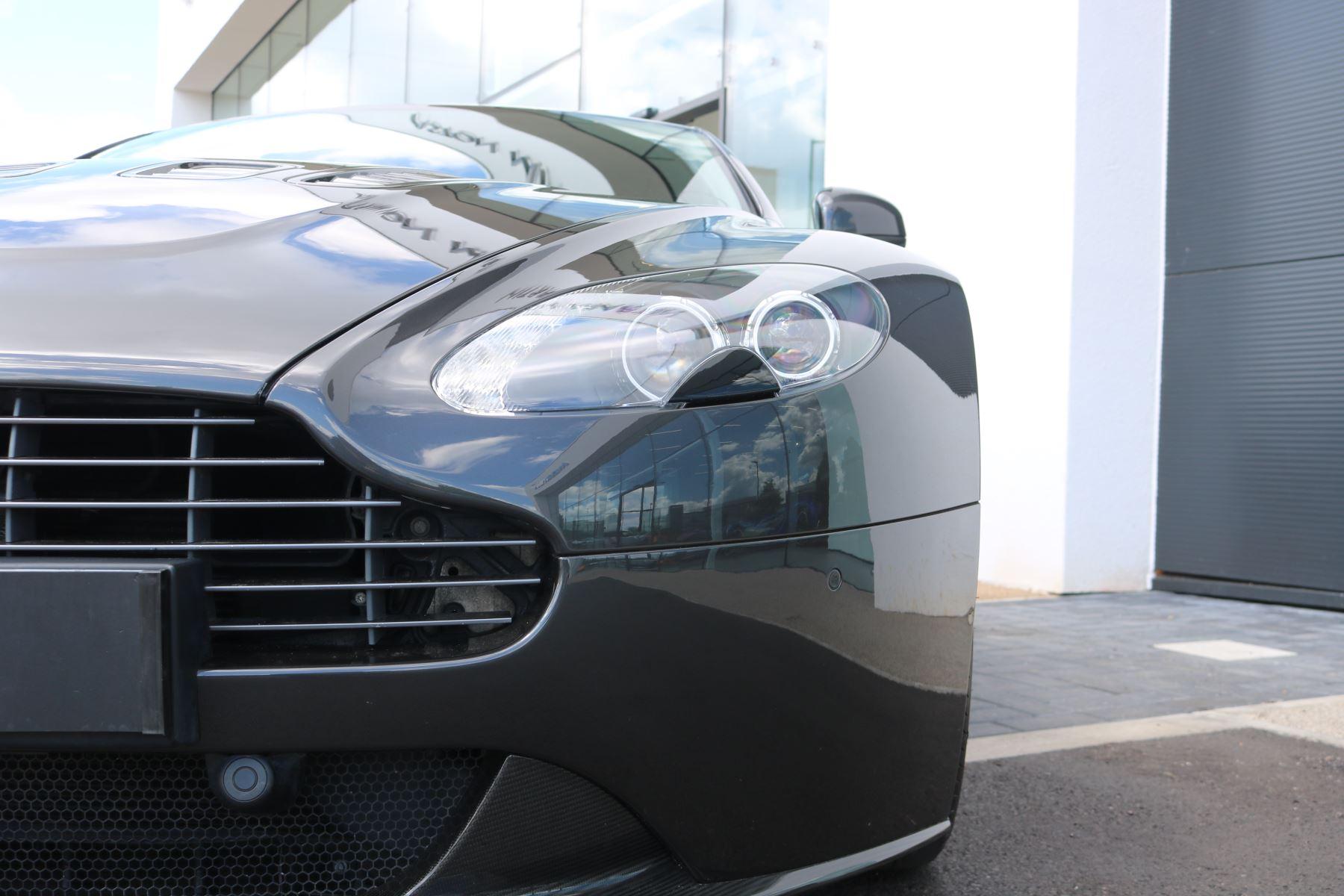 Aston Martin V12 Vantage 2dr image 12