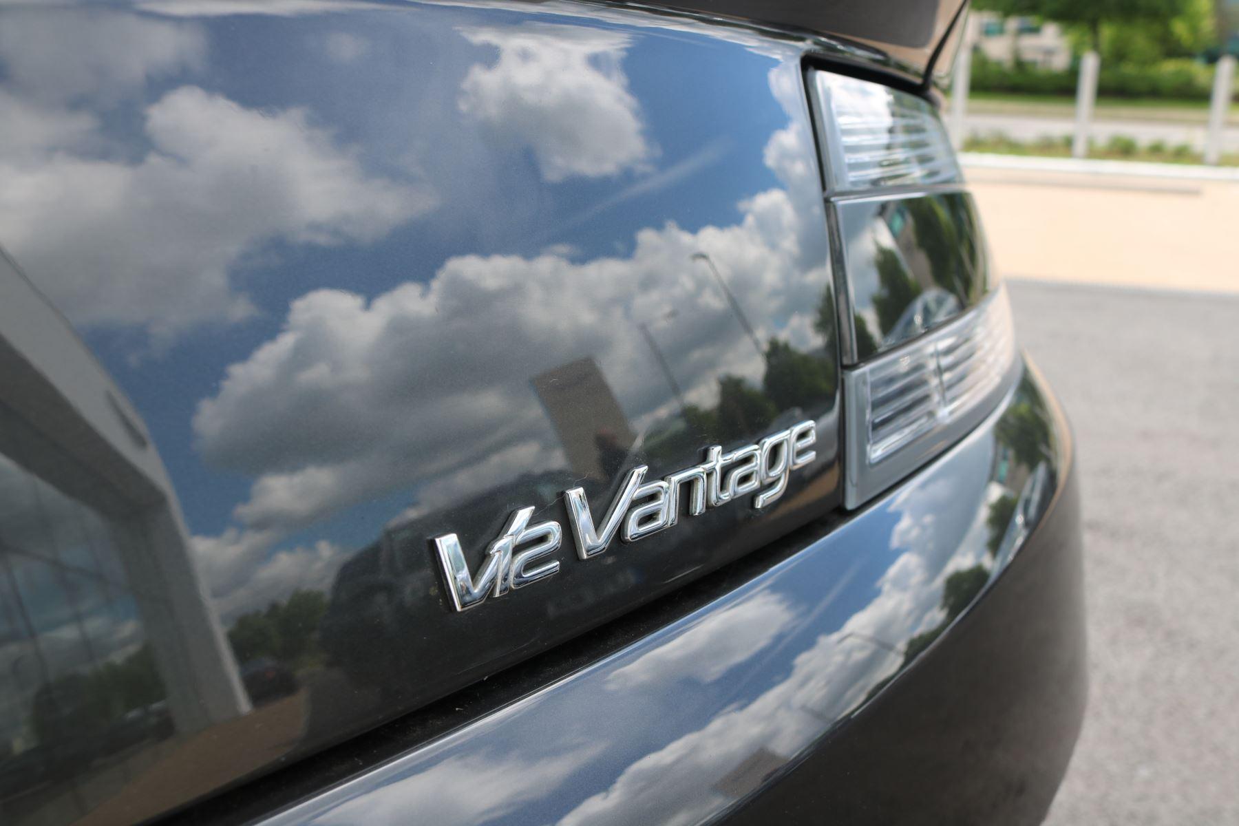 Aston Martin V12 Vantage 2dr image 14