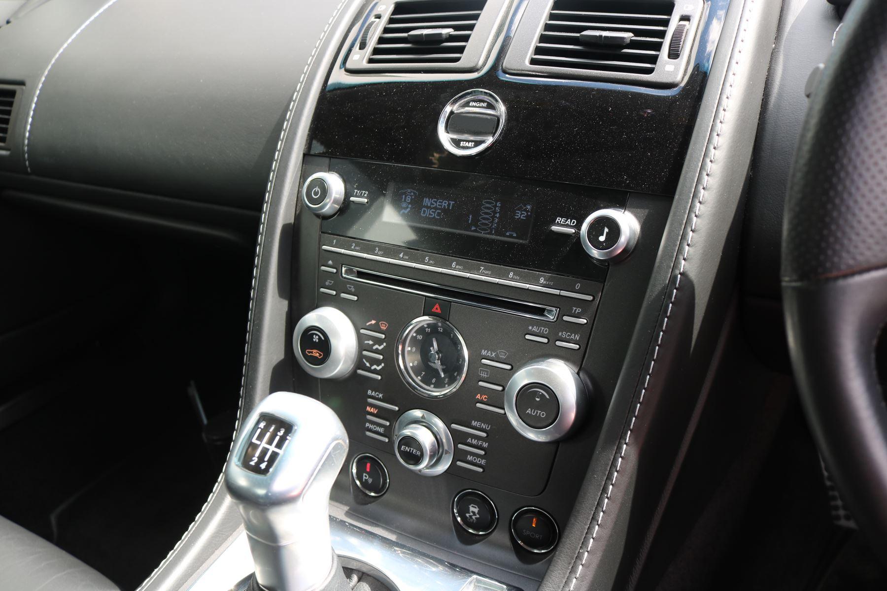 Aston Martin V12 Vantage 2dr image 22