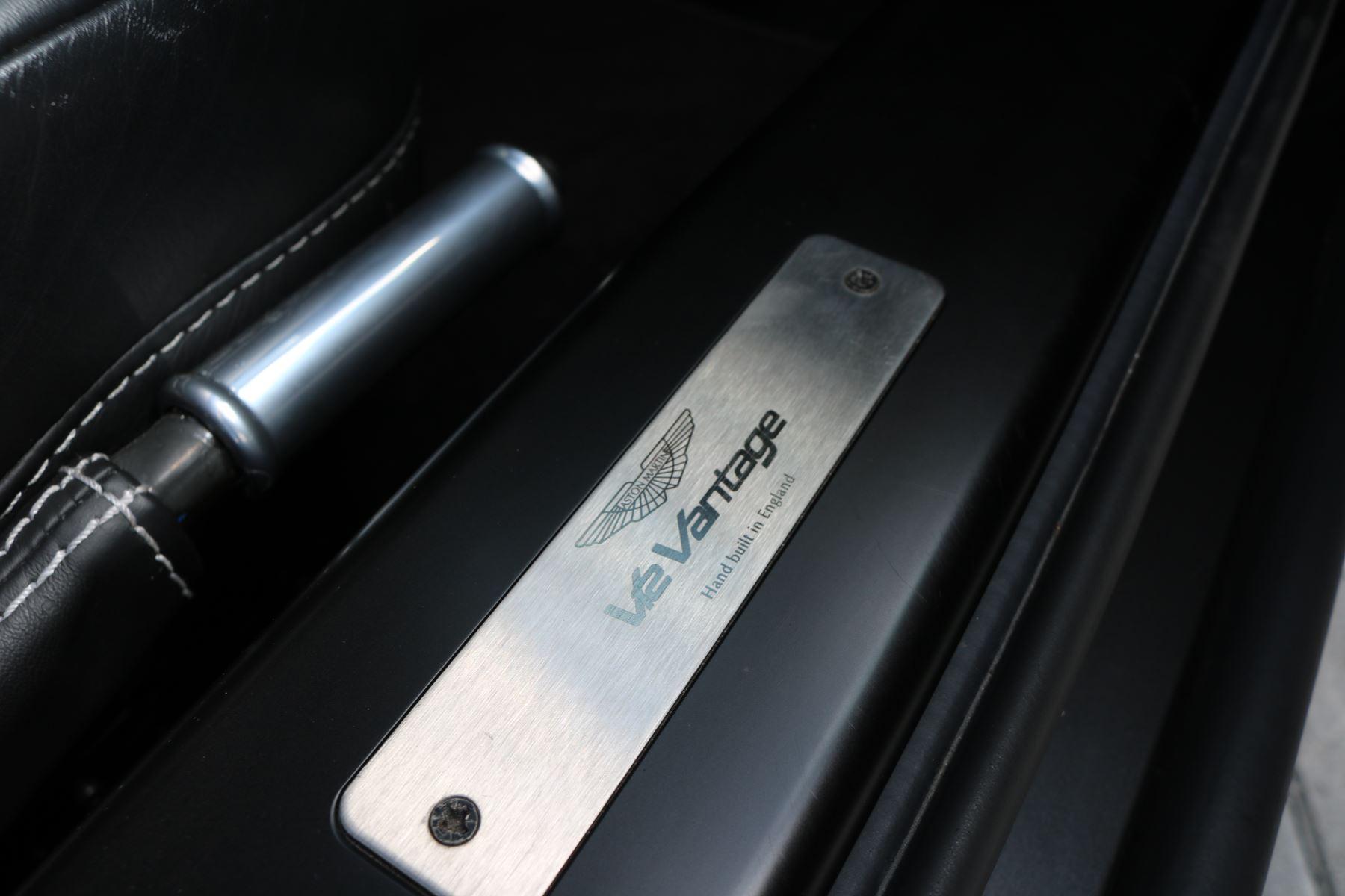Aston Martin V12 Vantage 2dr image 24