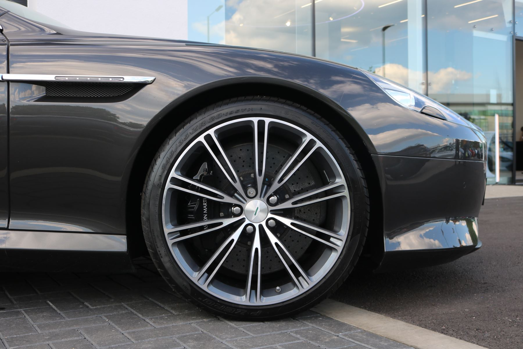 Aston Martin Virage V12 2dr Volante Touchtronic image 9