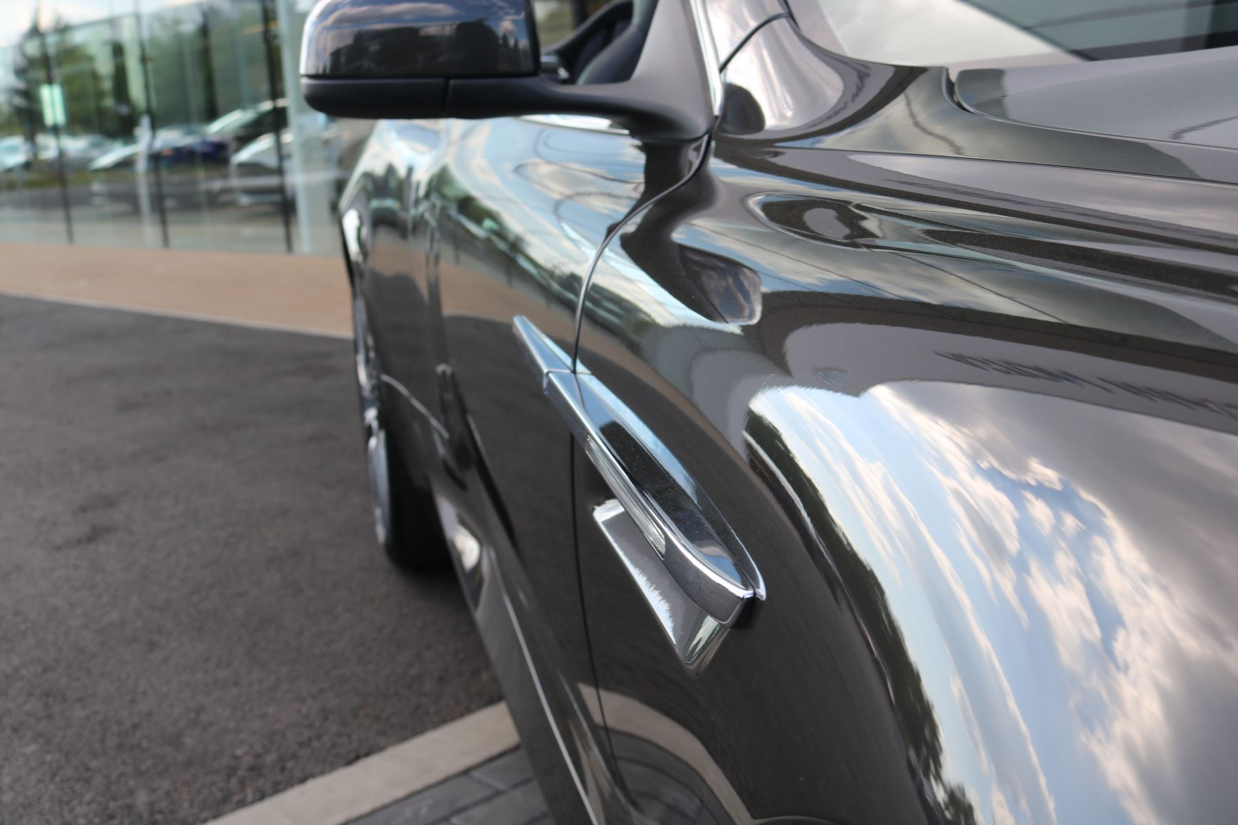 Aston Martin Virage V12 2dr Volante Touchtronic image 10