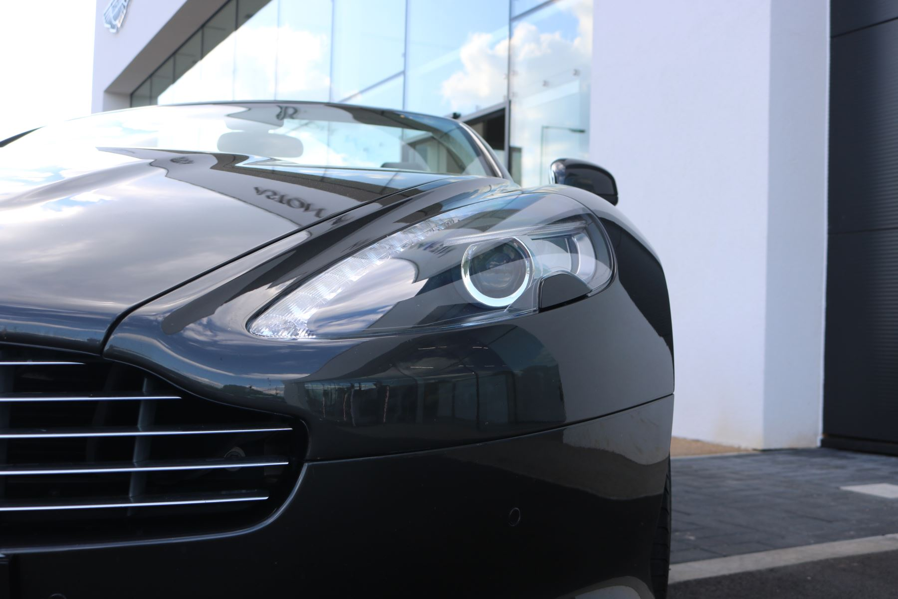Aston Martin Virage V12 2dr Volante Touchtronic image 13