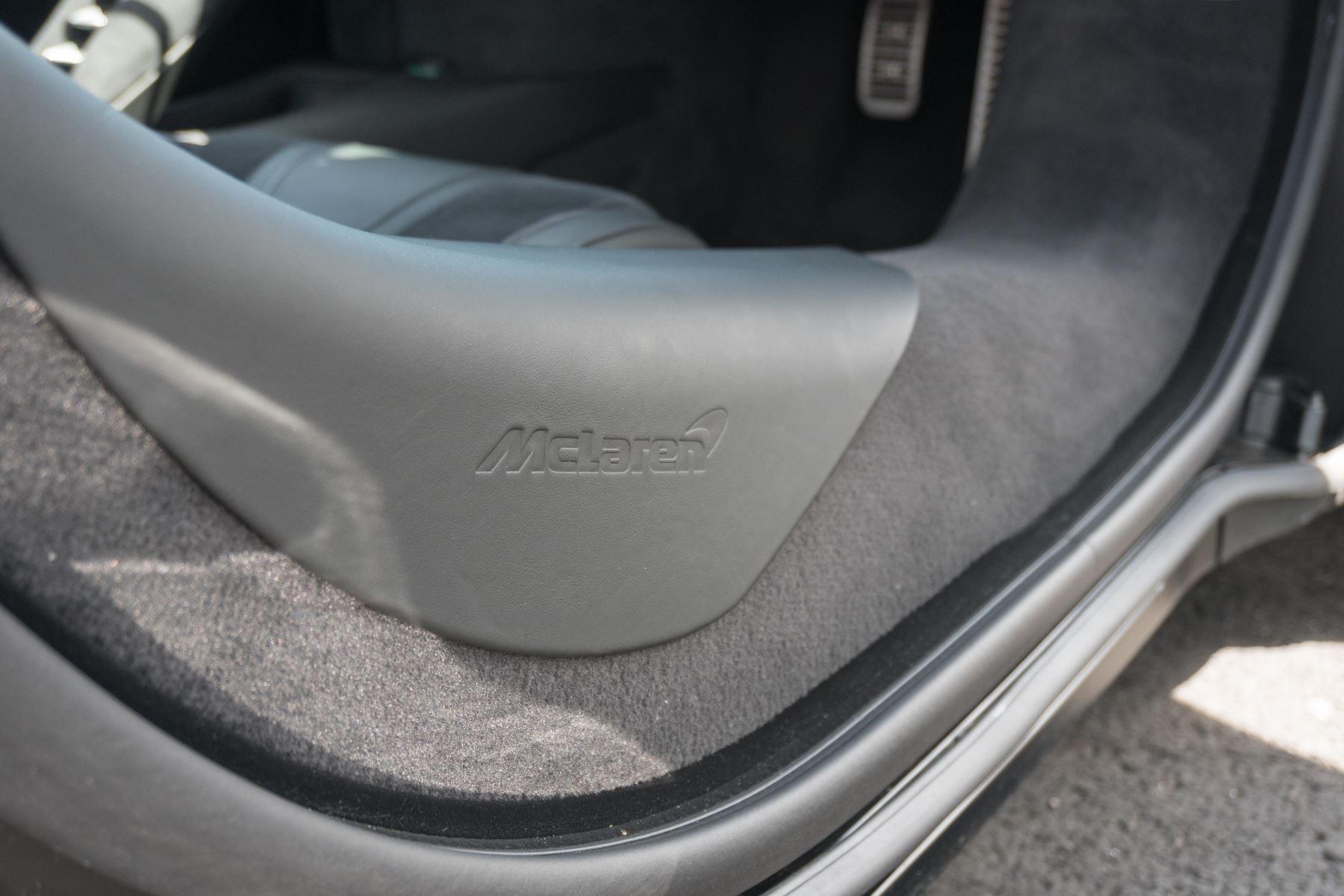 McLaren 720S V8 2dr SSG image 29