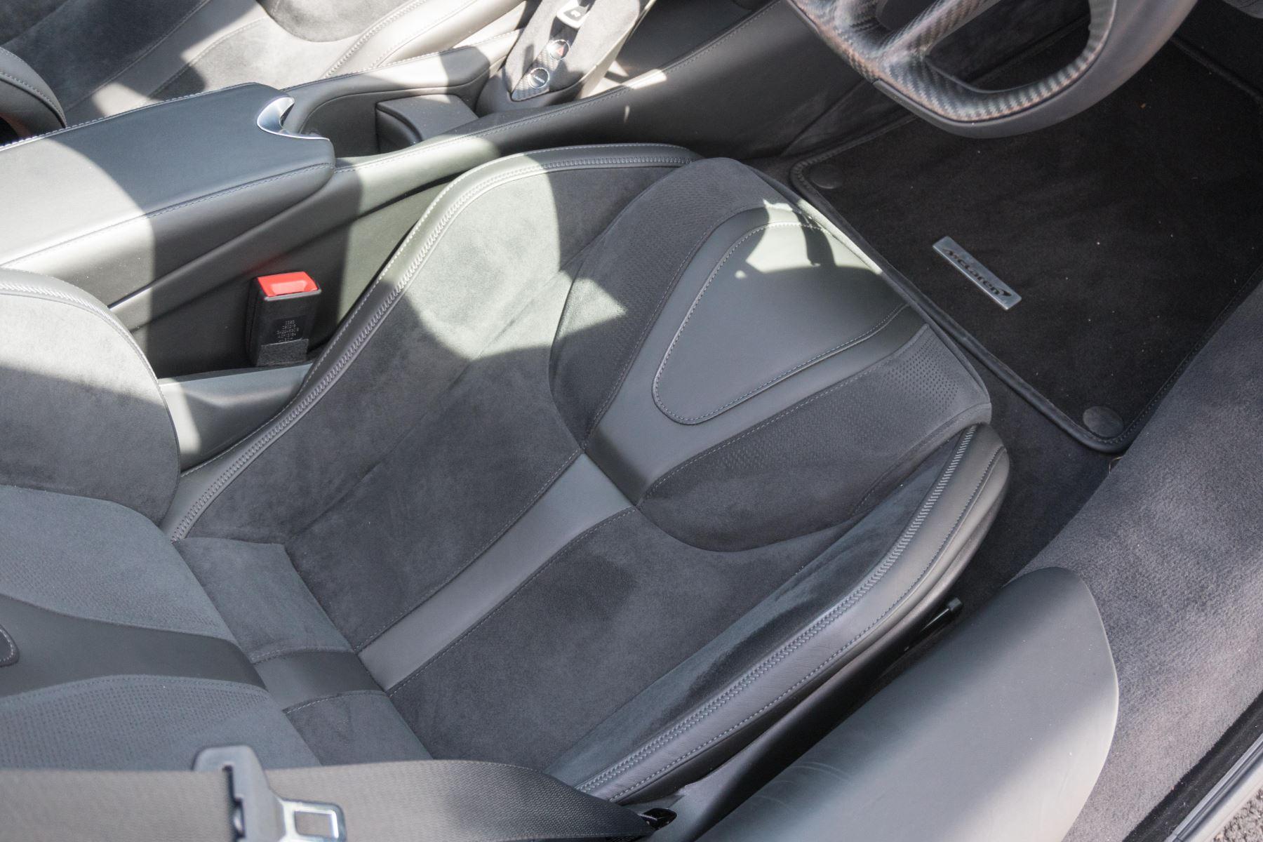 McLaren 720S V8 2dr SSG image 31