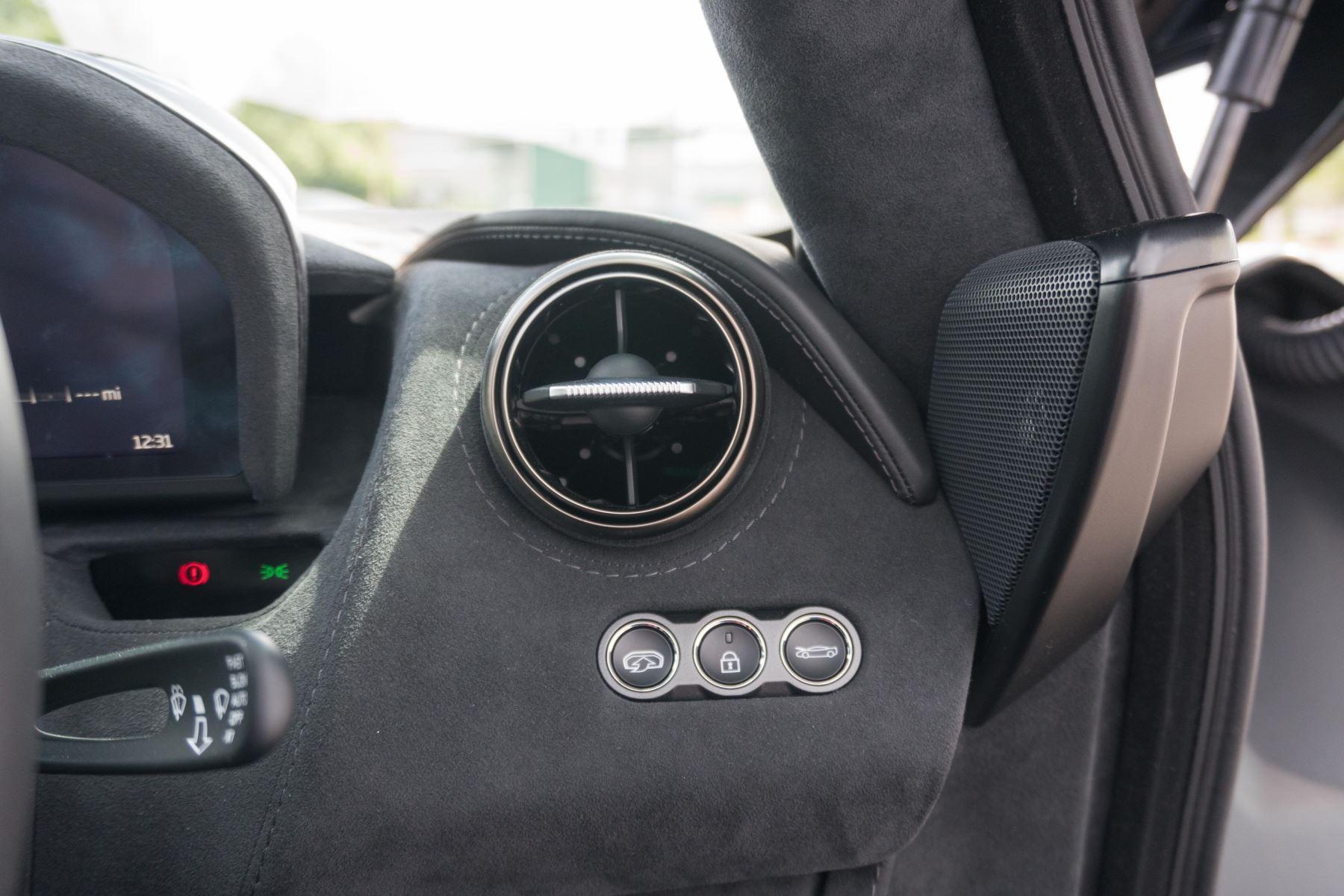 McLaren 720S V8 2dr SSG image 45