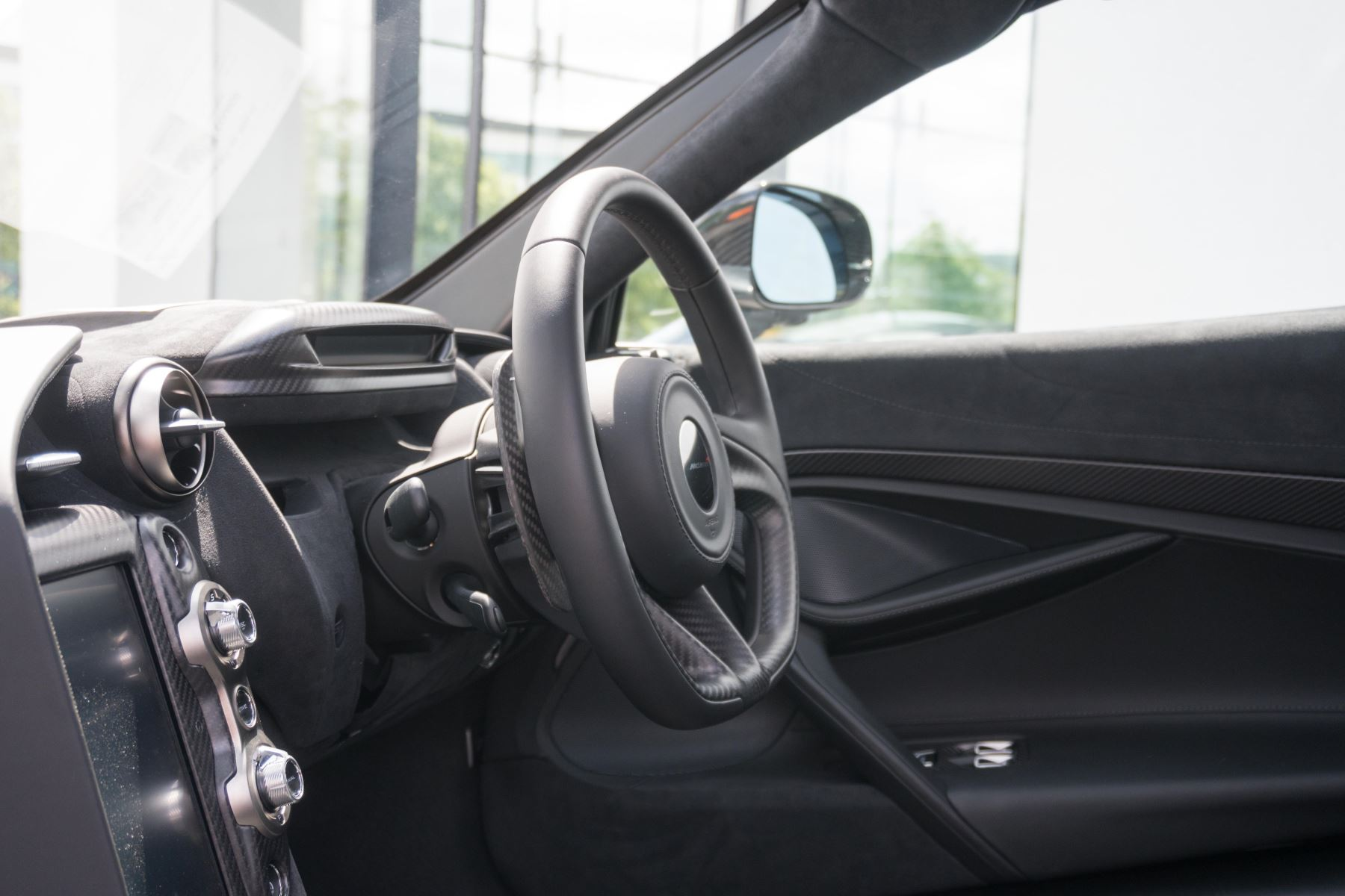 McLaren 720S V8 2dr SSG image 52