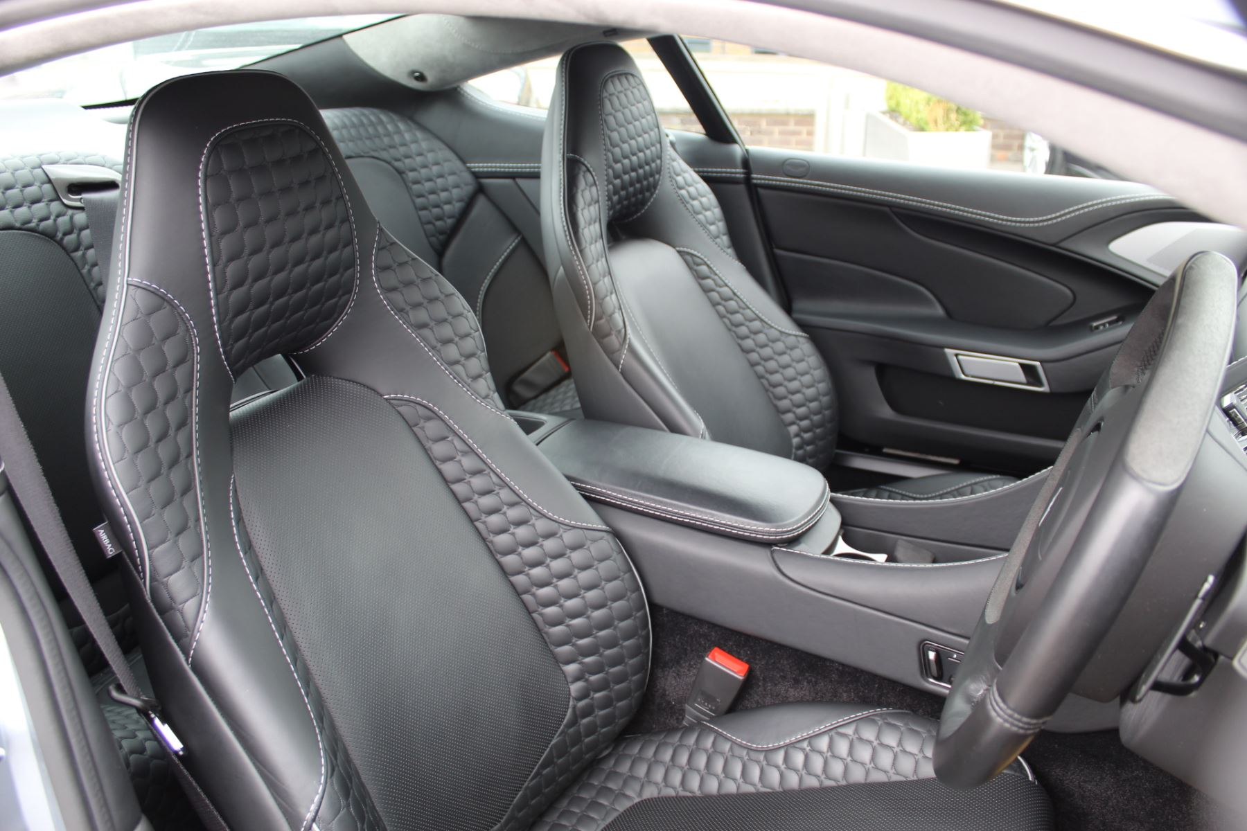 Aston Martin Vanquish V12 2+2 2dr Touchtronic image 7