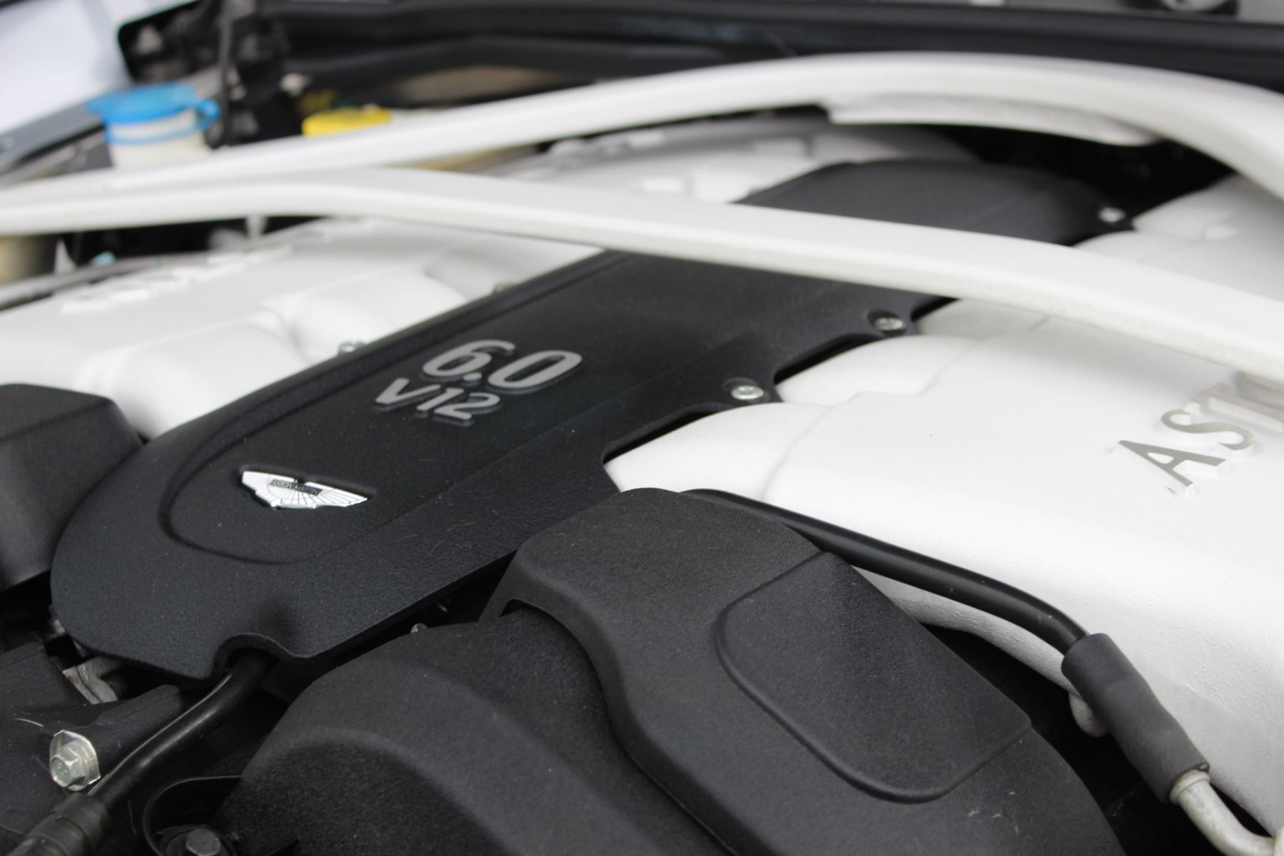 Aston Martin Vanquish V12 2+2 2dr Touchtronic image 15