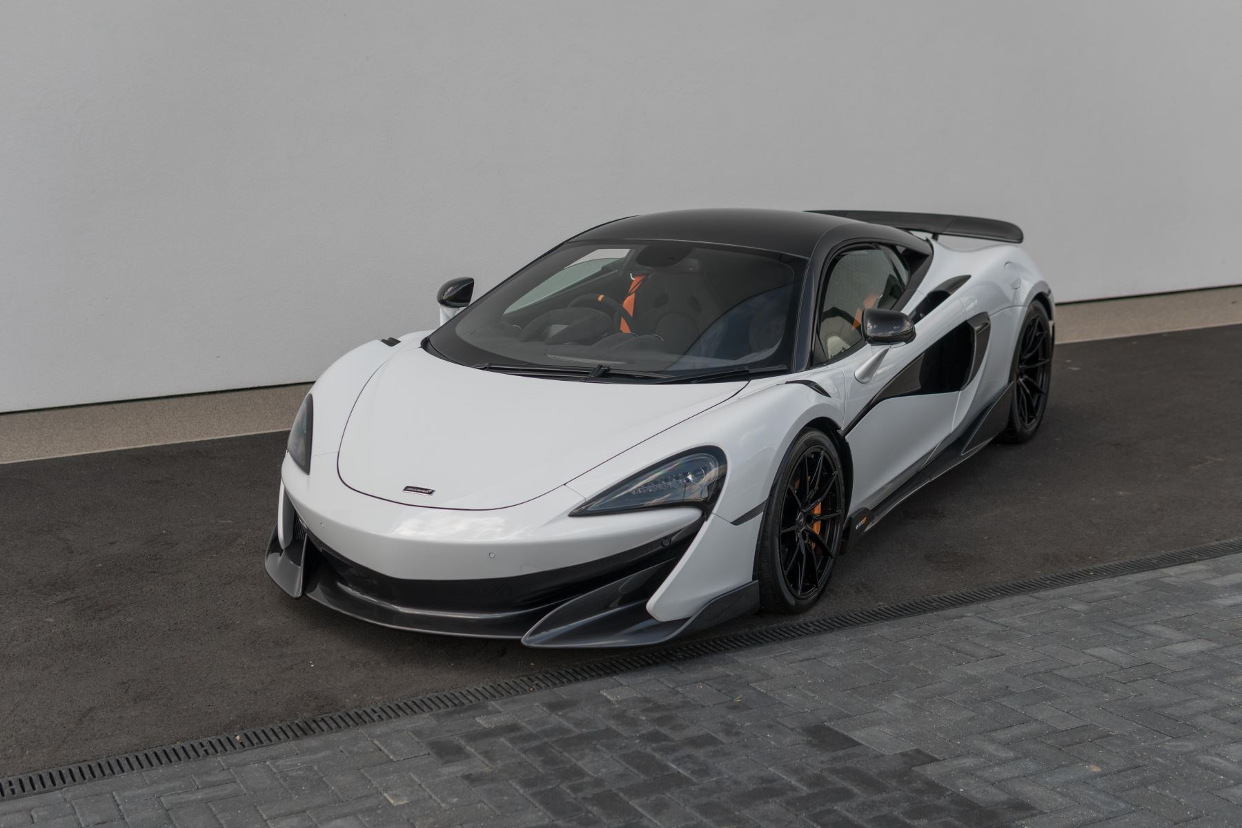 McLaren 600LT Coupe  3.8 Semi-Automatic 2 door (2019) image
