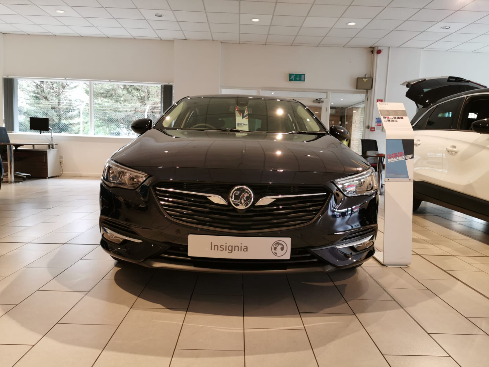 Vauxhall Insignia 1.5T SRi 5dr image 2