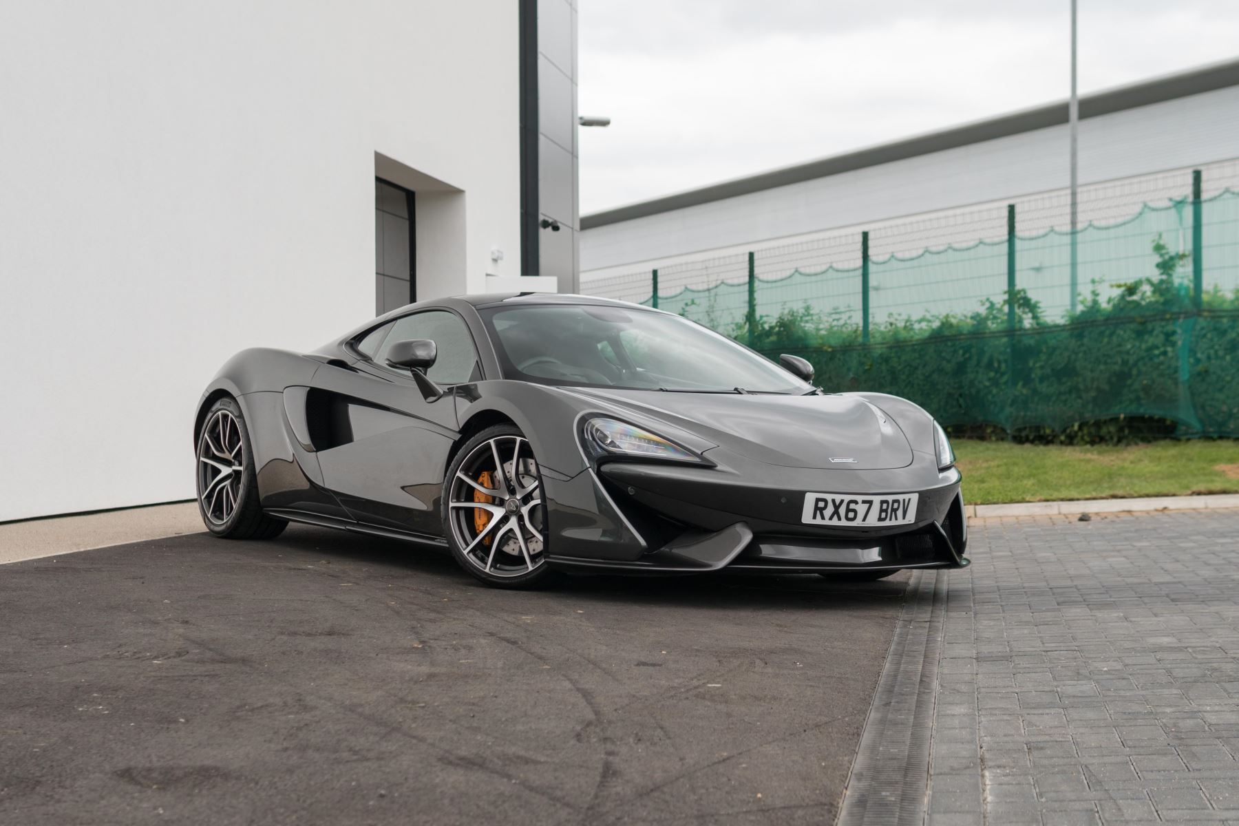 McLaren 570GT 3.8SSG Semi-Automatic 2 door Coupe (2018) image