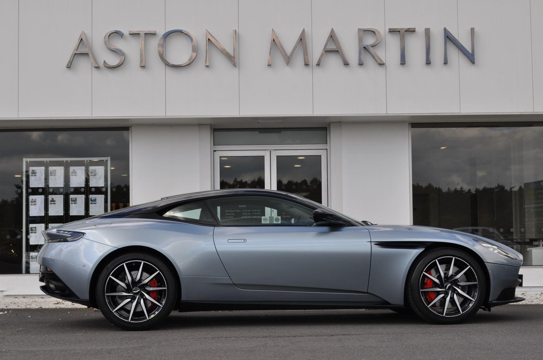 Aston Martin DB11 V8 Touchtronic image 3