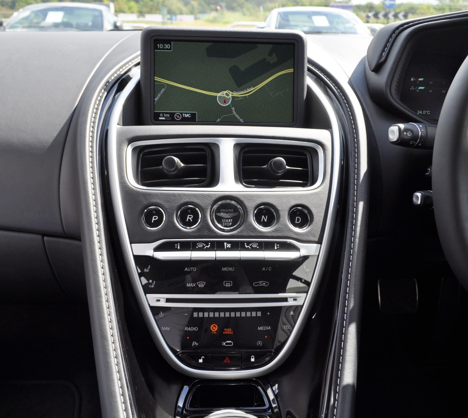 Aston Martin DB11 V8 Touchtronic image 16