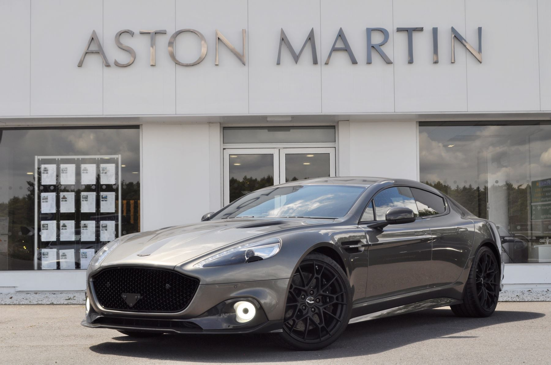 Aston Martin Rapide S Rapide AMR 5.9 Automatic 5 door Saloon (19MY) image