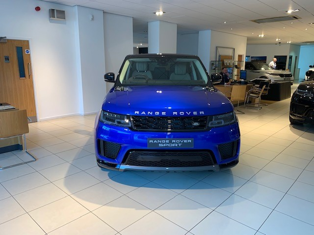 Land Rover Range Rover Sport 2.0 Si4 HSE - Privacy Glass - Rear Seat Entertainment - Saving of £ 8,757.00 Off Normal Price Automatic 5 door Estate (2019) image