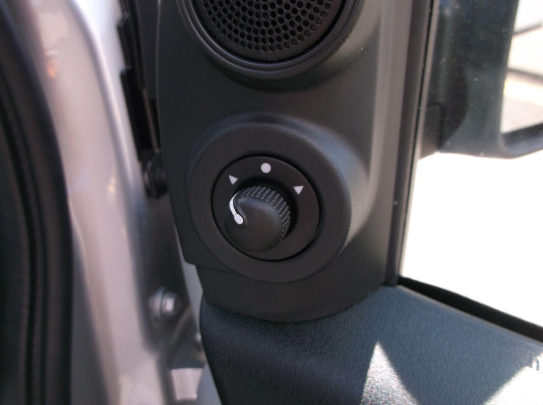 Fiat Doblo Cargo MAXI L2 DIESEL Multijet 16V Tecnico 1.6 105bhp   Aircon Cruise Rev sensors  Euro 6 image 11