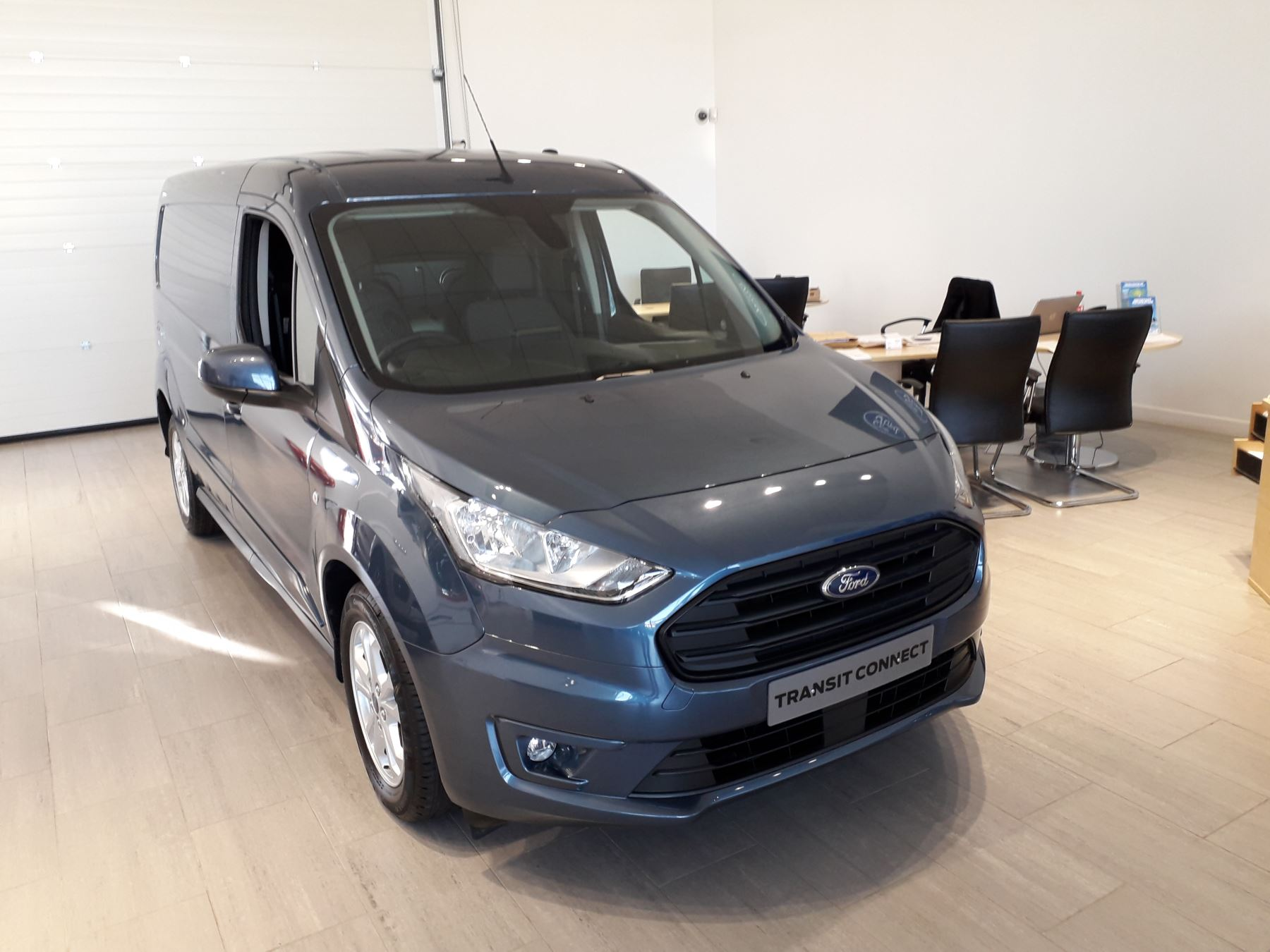 Ford Transit Connect 240 L2 Limited Euro 6 image 1