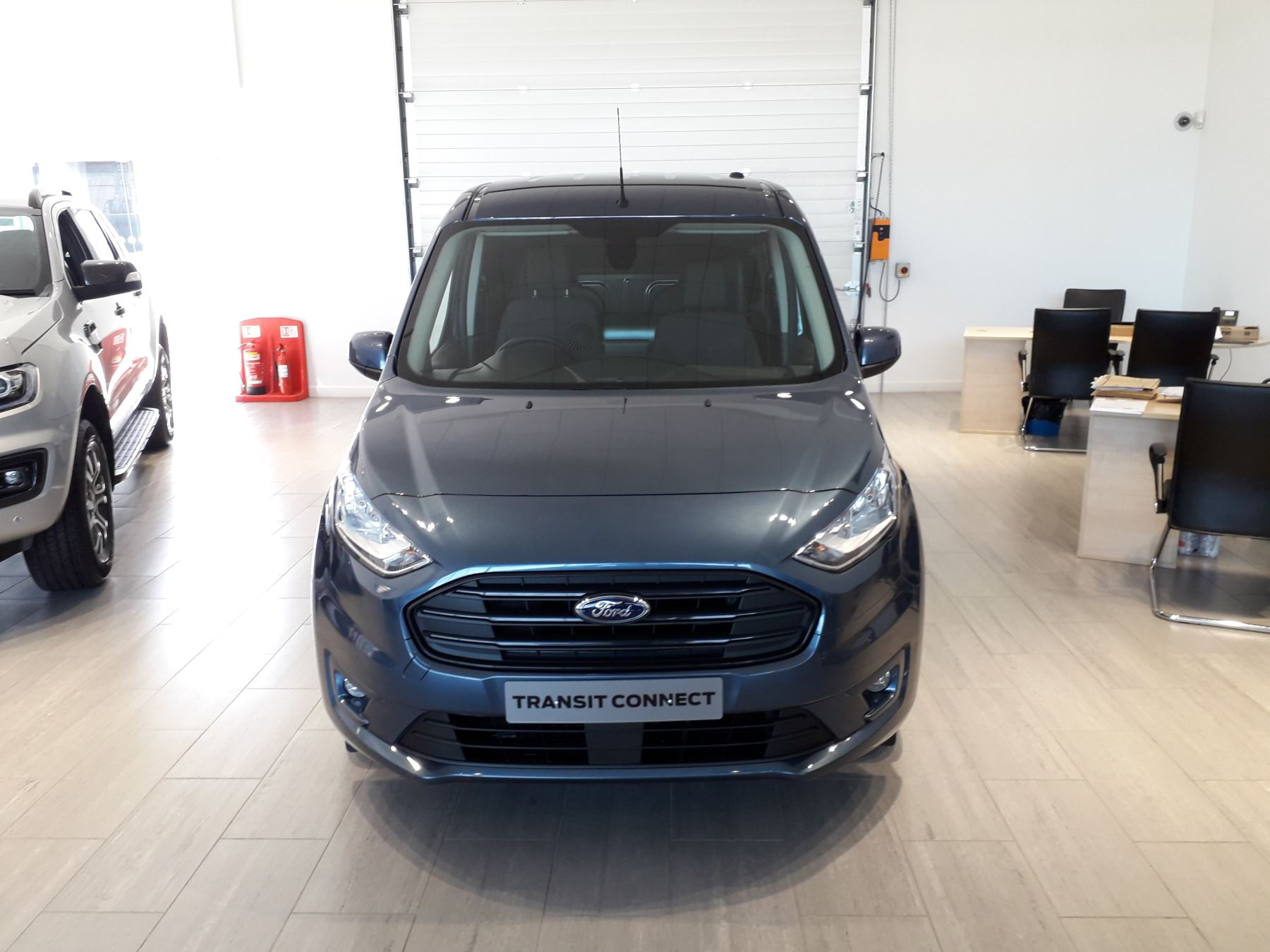 Ford Transit Connect 240 L2 Limited Euro 6 image 2