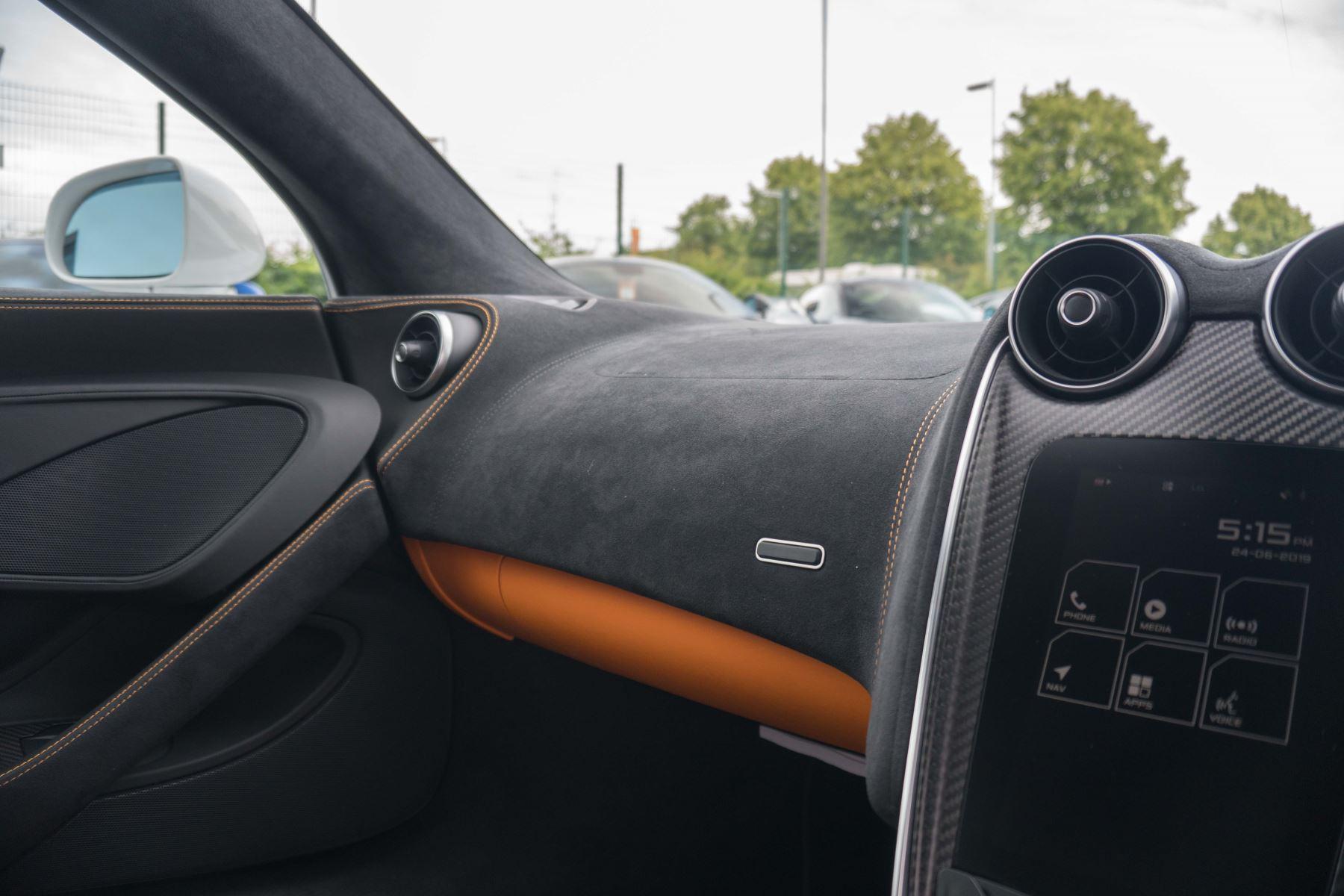 McLaren 570S Coupe V8 2dr SSG Auto Coupe image 31