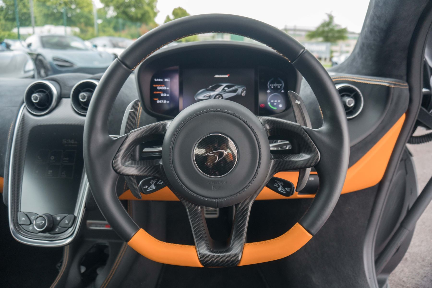 McLaren 570S Coupe V8 2dr SSG Auto Coupe image 37