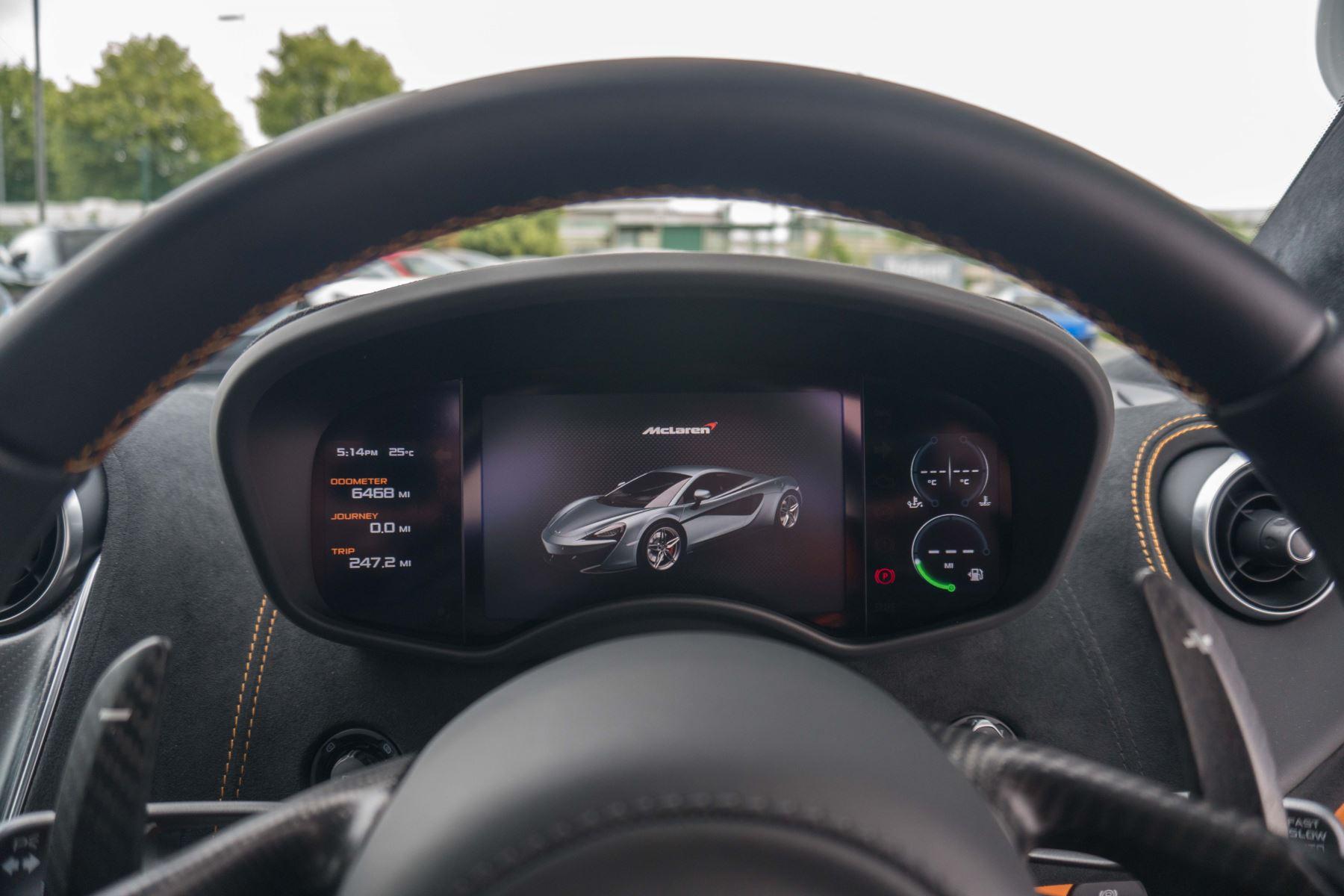 McLaren 570S Coupe V8 2dr SSG Auto Coupe image 38