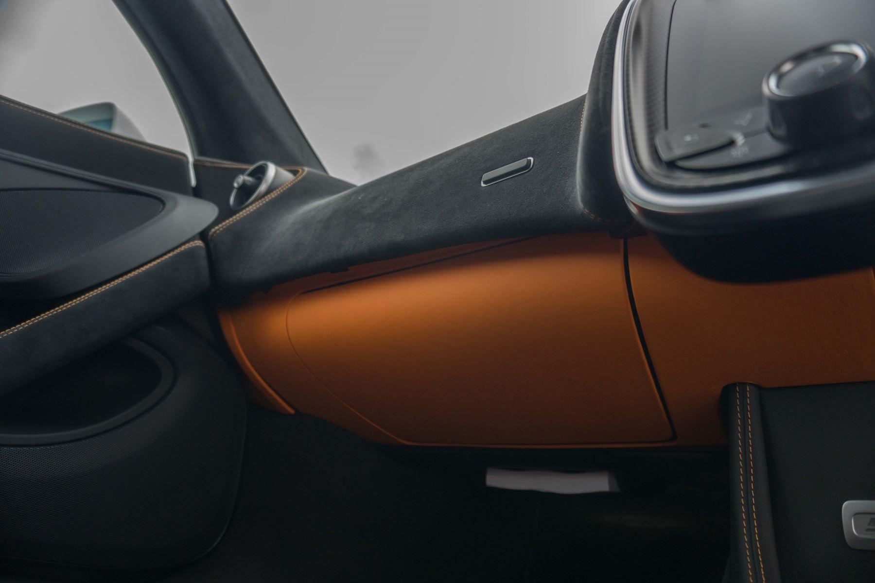 McLaren 570S Coupe V8 2dr SSG Auto Coupe image 42
