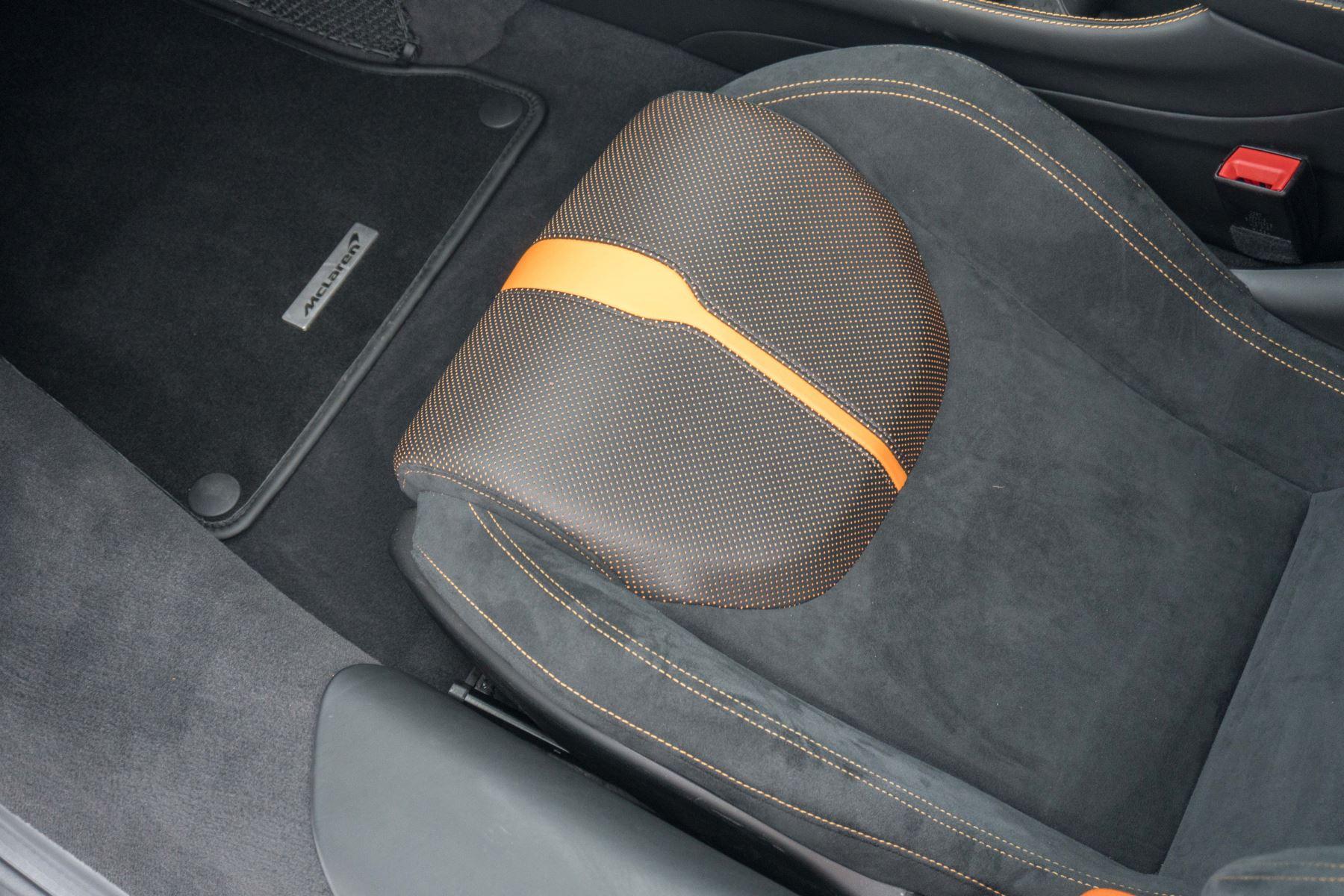 McLaren 570S Coupe V8 2dr SSG Auto Coupe image 44