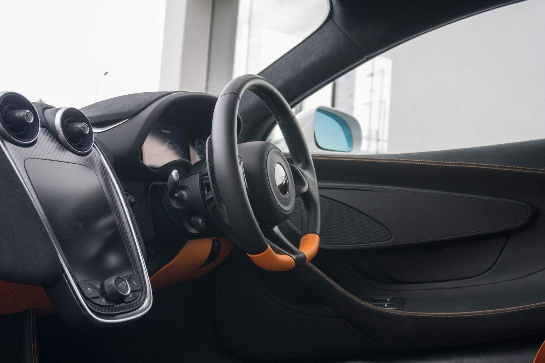McLaren 570S Coupe V8 2dr SSG Auto Coupe image 45
