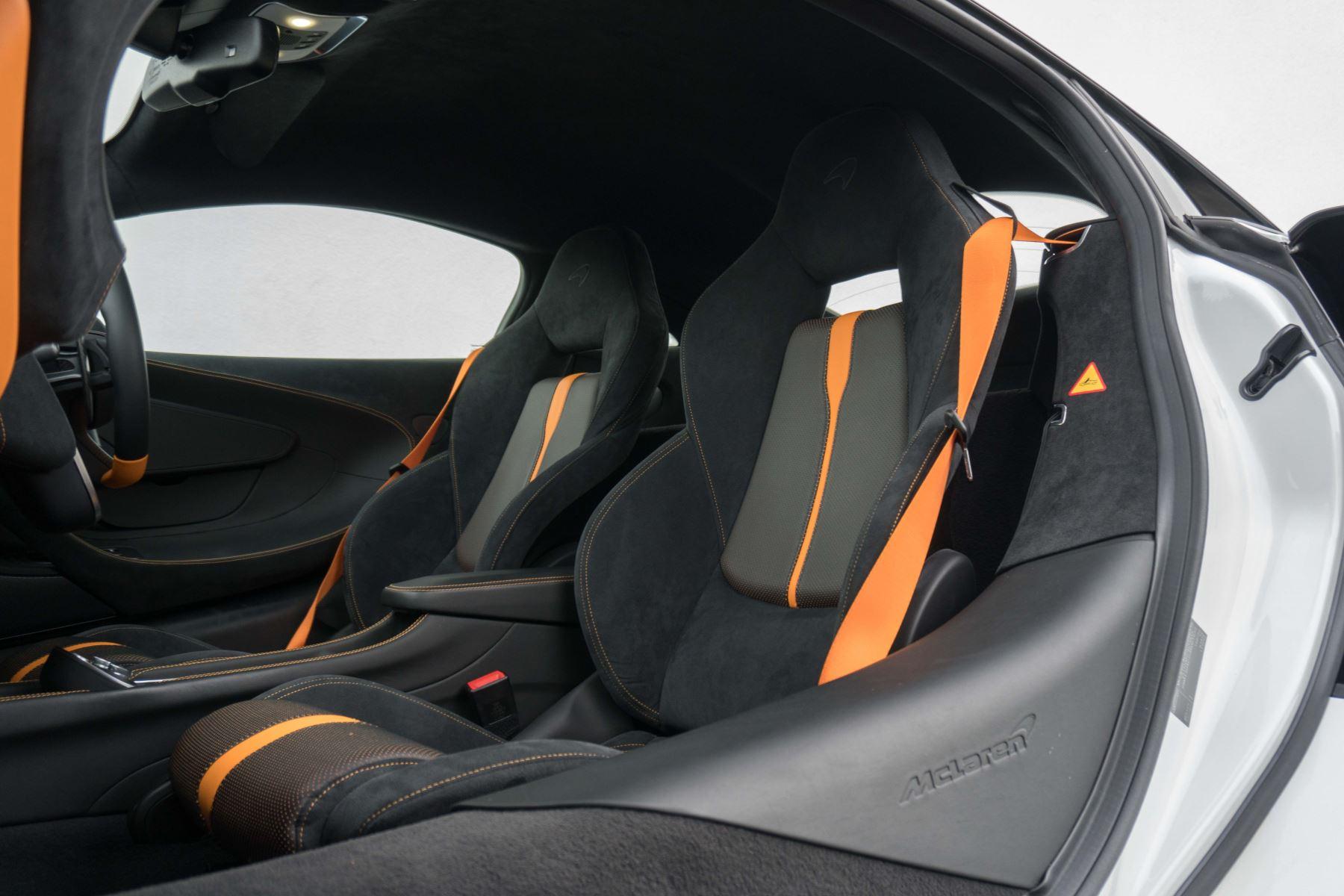 McLaren 570S Coupe V8 2dr SSG Auto Coupe image 47