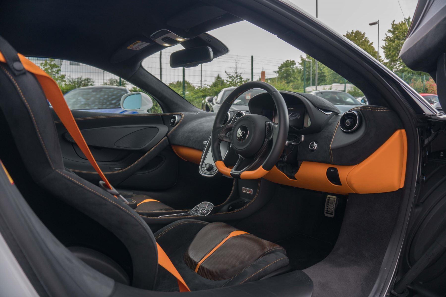 McLaren 570S Coupe V8 2dr SSG Auto Coupe image 54