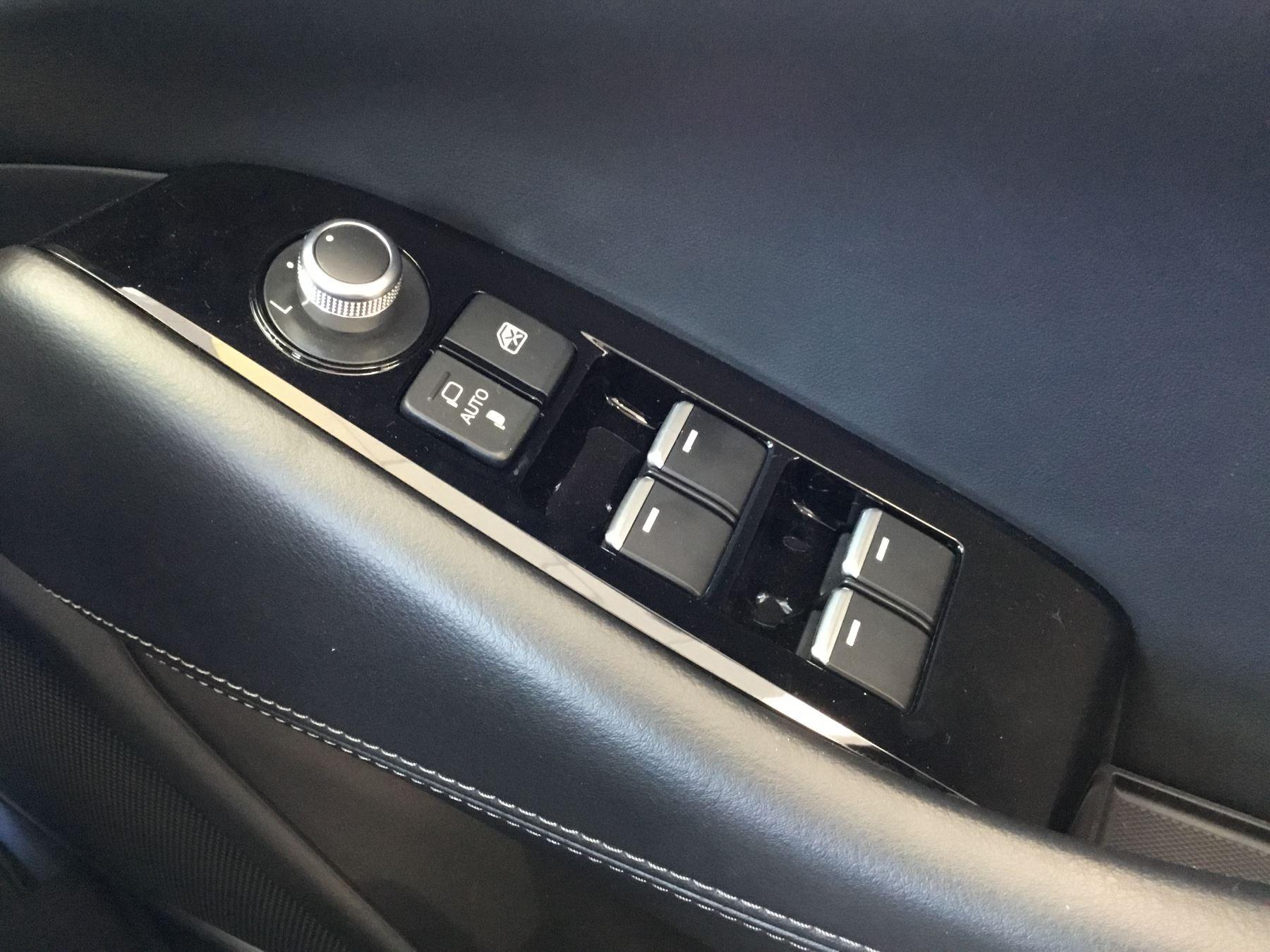 Mazda 6 2.2d [184] Sport Nav+ 5dr WITH MAZDA SAFETY PACK image 16