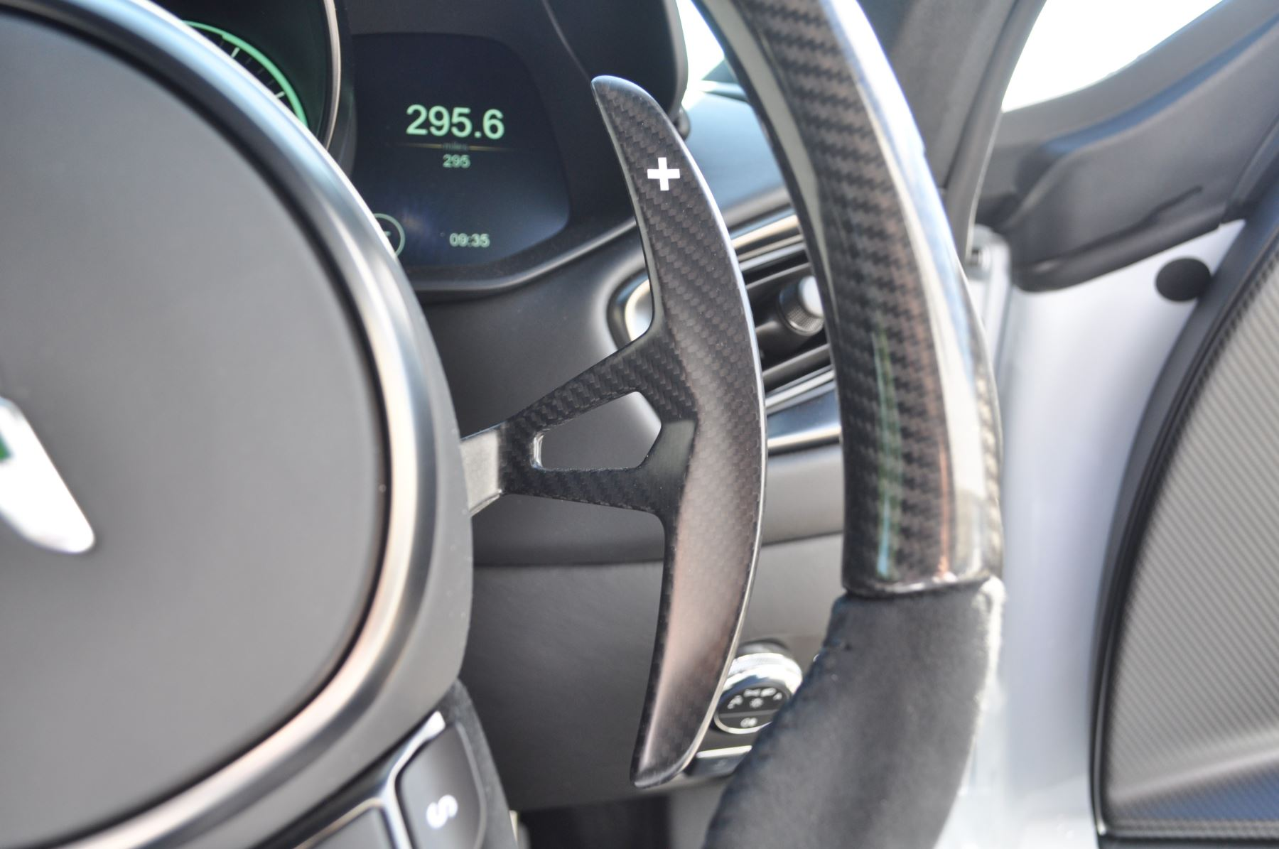 Aston Martin DBS V12 Superleggera 2dr Touchtronic image 25