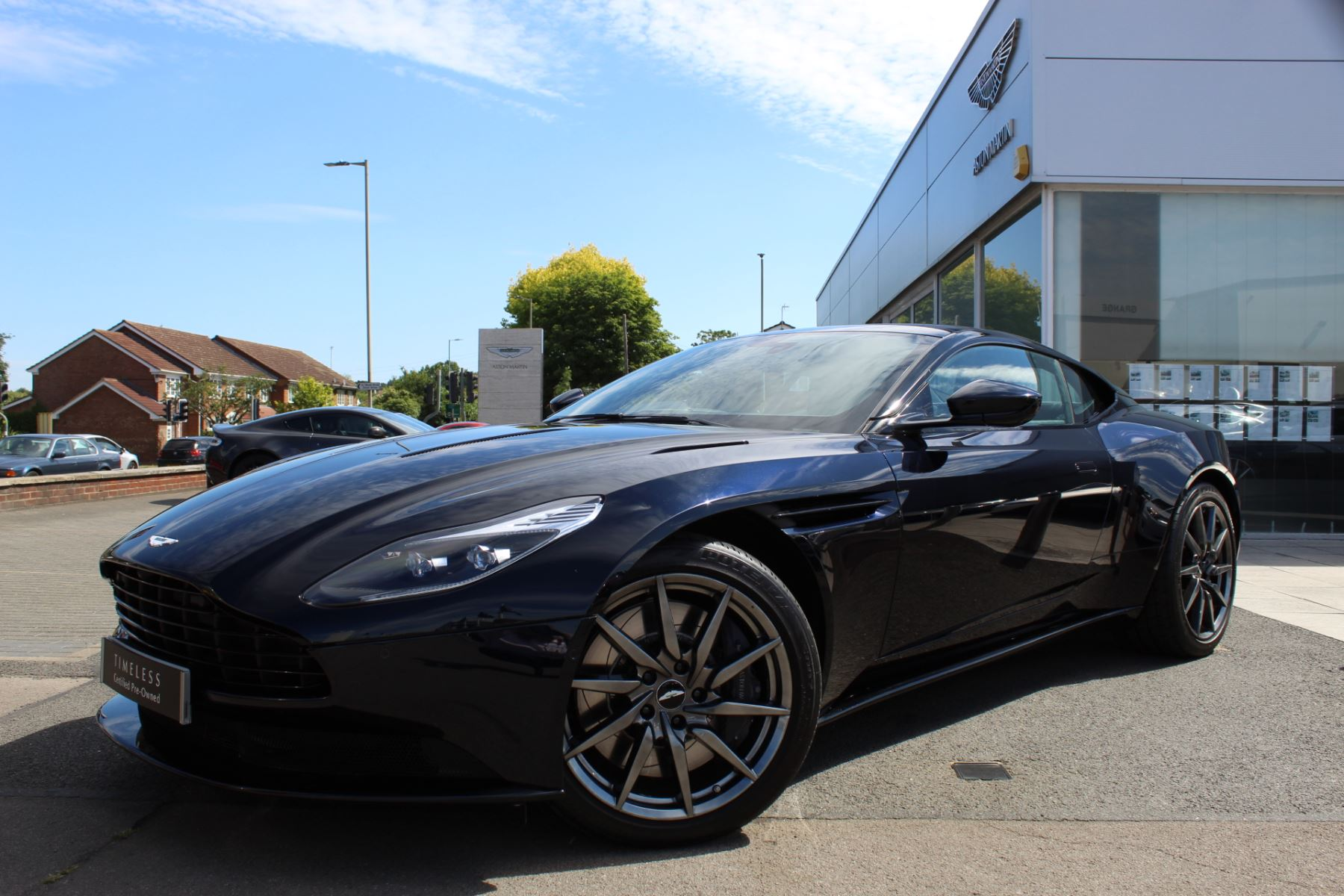 Aston Martin DB11 V12 2dr Touchtronic 5.2 Automatic Coupe (2017.5) image