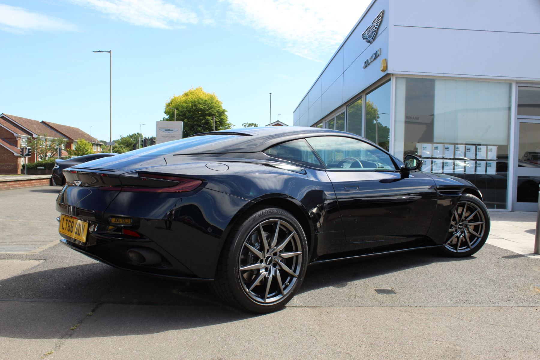 Aston Martin DB11 V12 2dr Touchtronic image 20