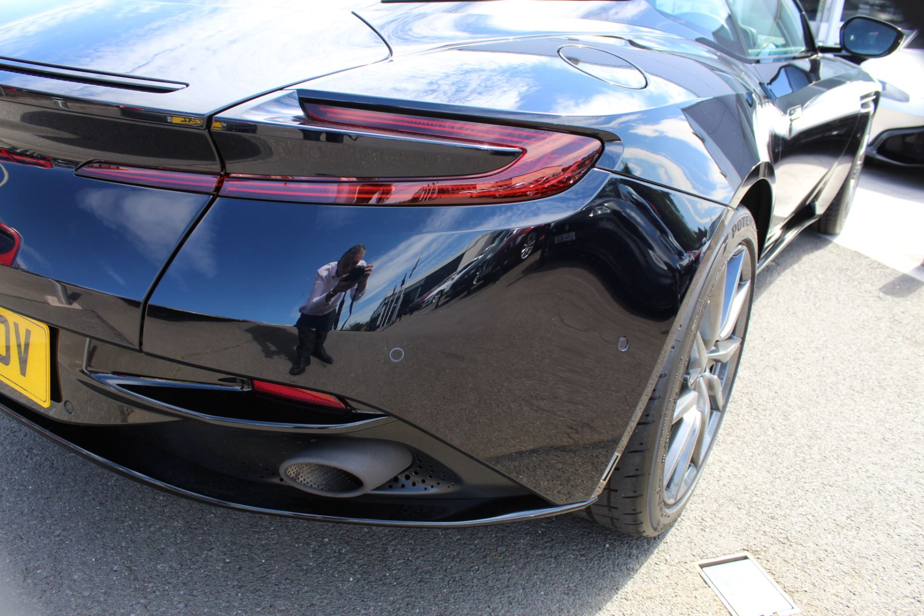 Aston Martin DB11 V12 2dr Touchtronic image 26