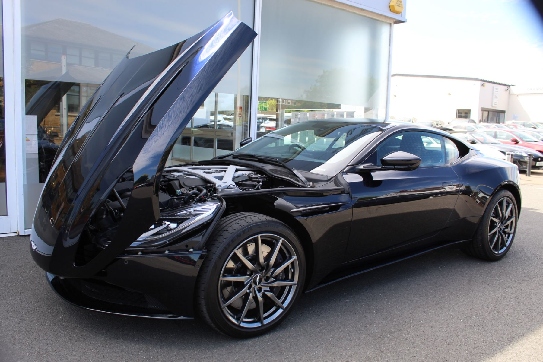 Aston Martin DB11 V12 2dr Touchtronic image 32