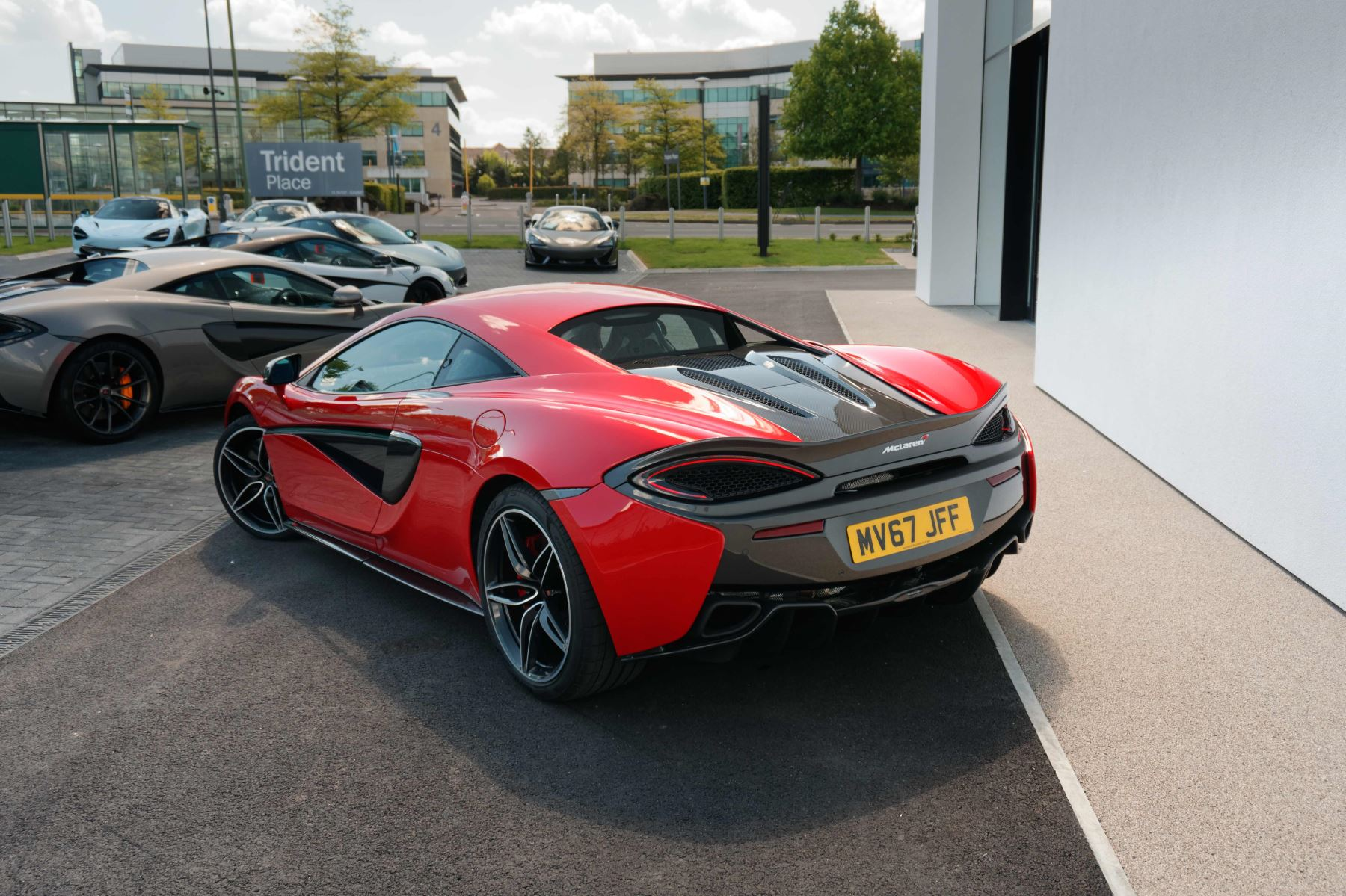 McLaren 570S Coupe Coupe  image 25