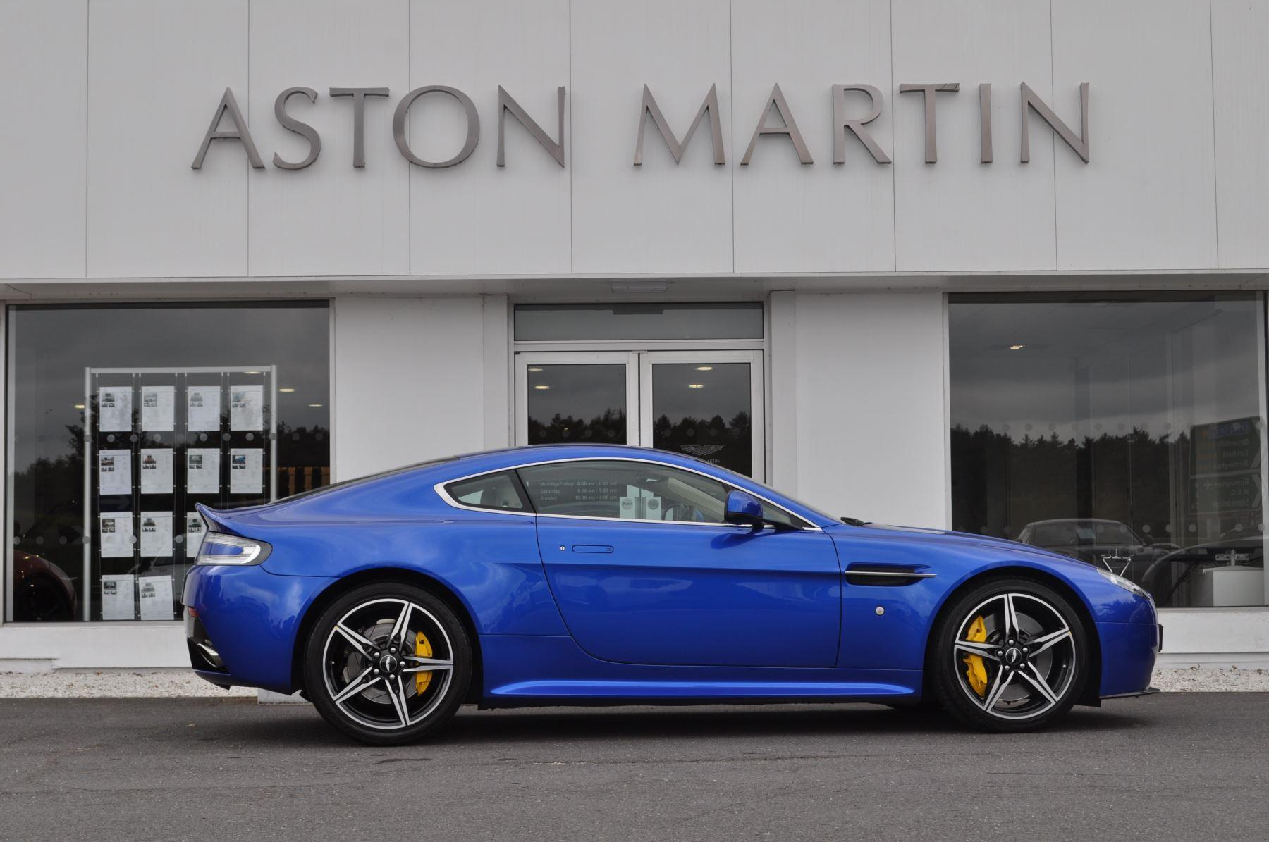 Aston Martin V8 Vantage S Coupe S 2dr Sportshift image 4