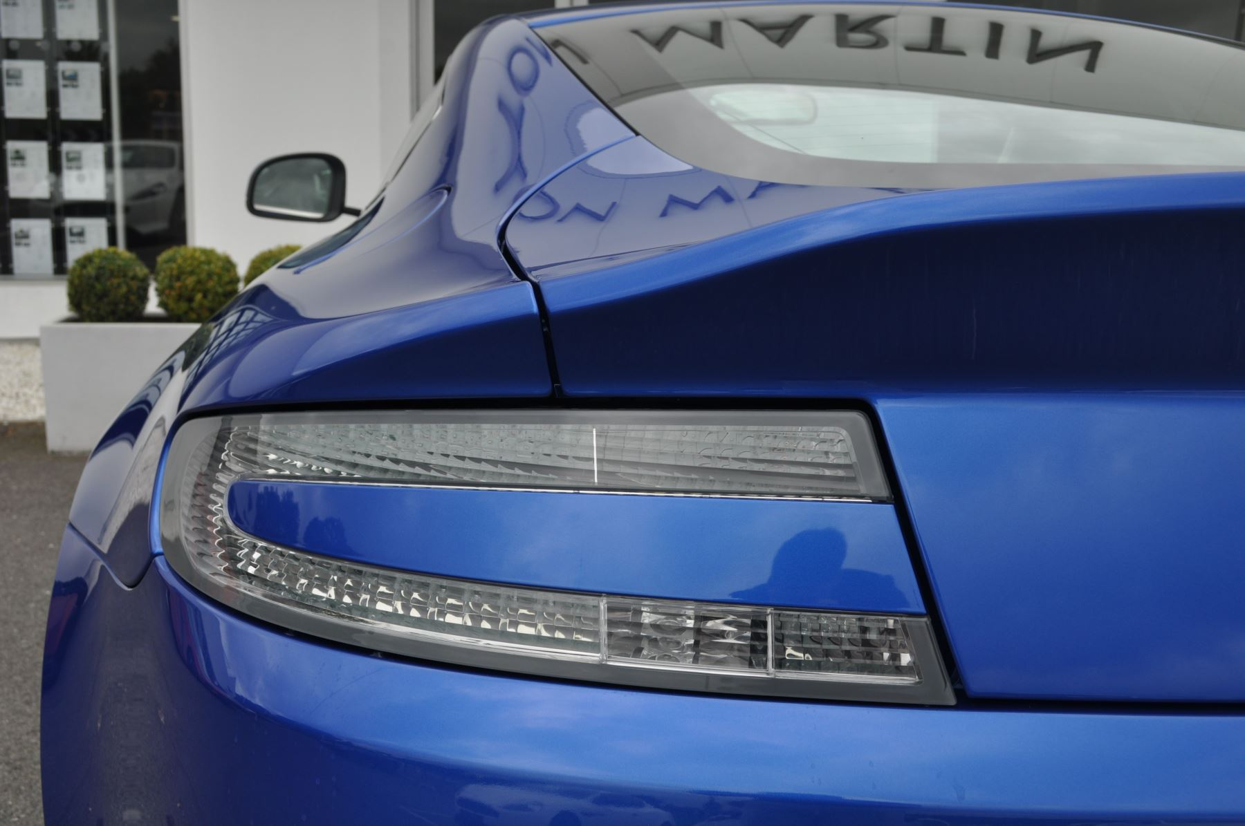 Aston Martin V8 Vantage S Coupe S 2dr Sportshift image 17