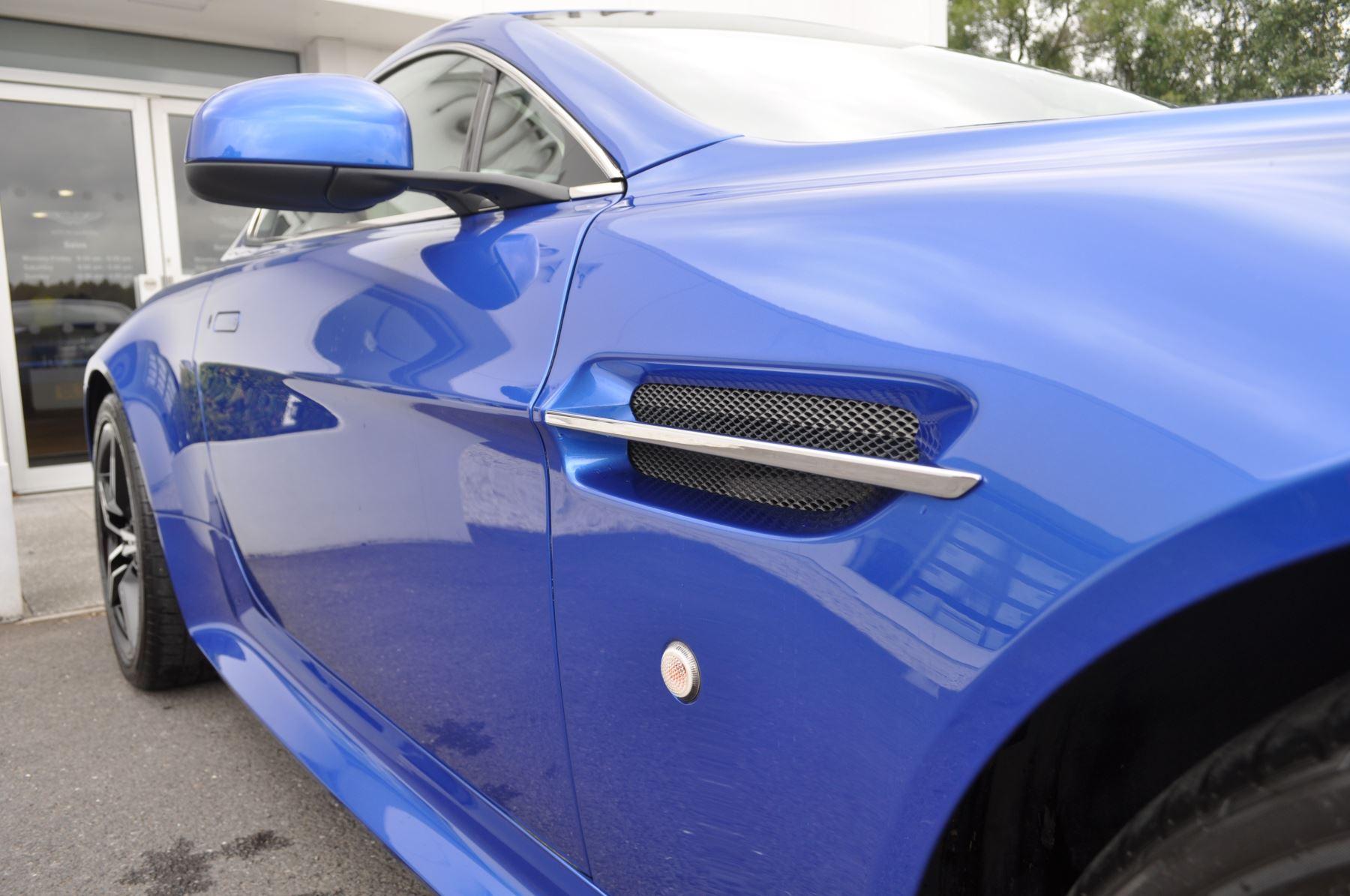 Aston Martin V8 Vantage S Coupe S 2dr Sportshift image 19